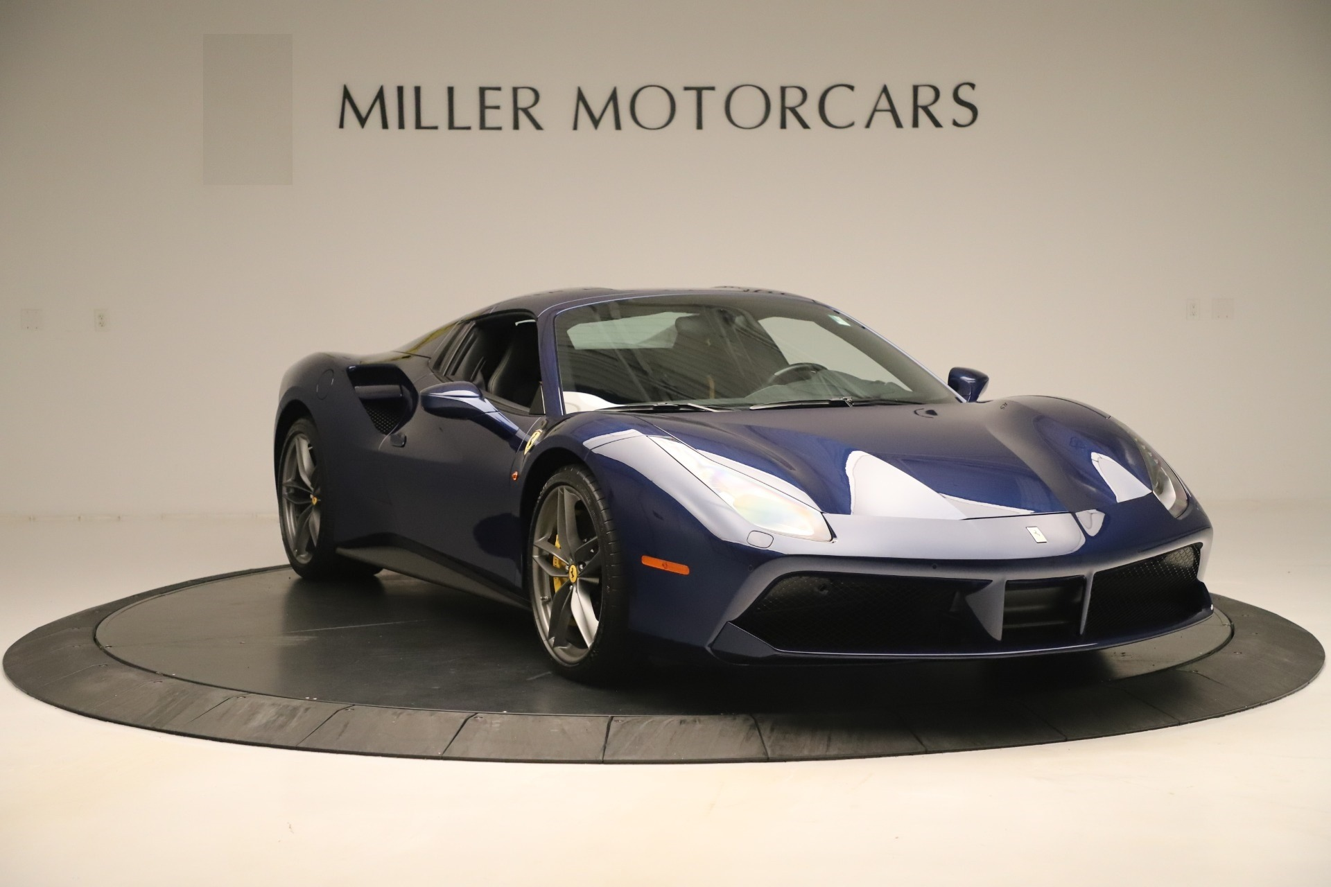 Used 2018 Ferrari 488 Spider  For Sale In Greenwich, CT. Alfa Romeo of Greenwich, F2017A 3465_p18