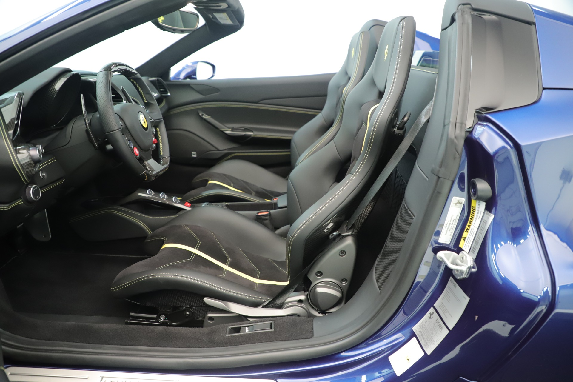 Used 2018 Ferrari 488 Spider  For Sale In Greenwich, CT. Alfa Romeo of Greenwich, F2017A 3465_p20