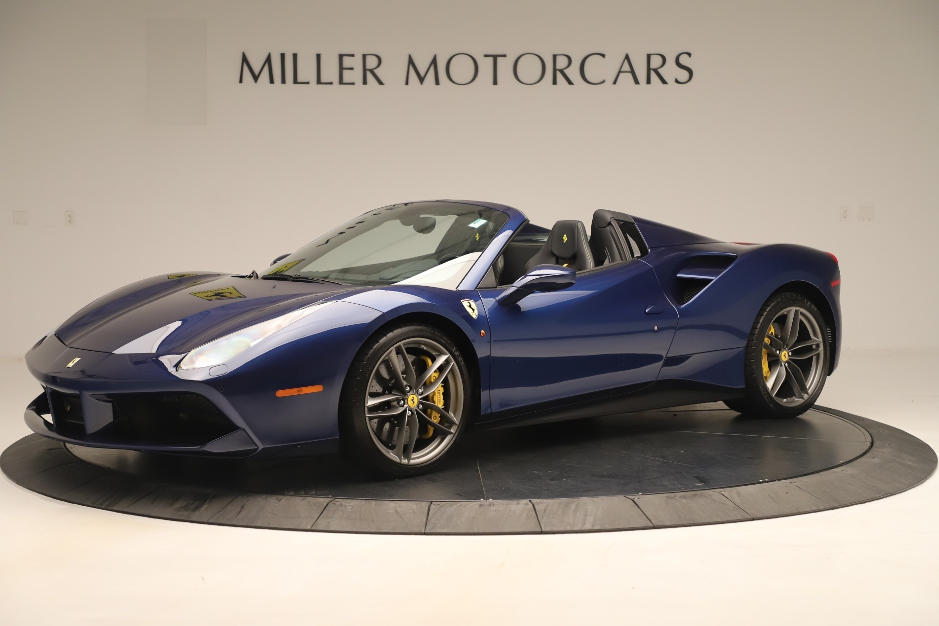 Used 2018 Ferrari 488 Spider  For Sale In Greenwich, CT. Alfa Romeo of Greenwich, F2017A 3465_p2