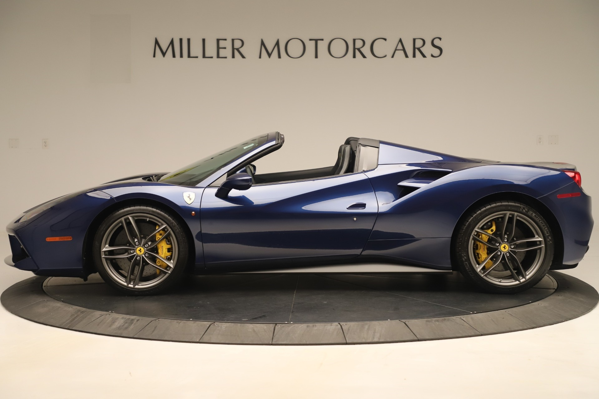 Used 2018 Ferrari 488 Spider  For Sale In Greenwich, CT. Alfa Romeo of Greenwich, F2017A 3465_p3