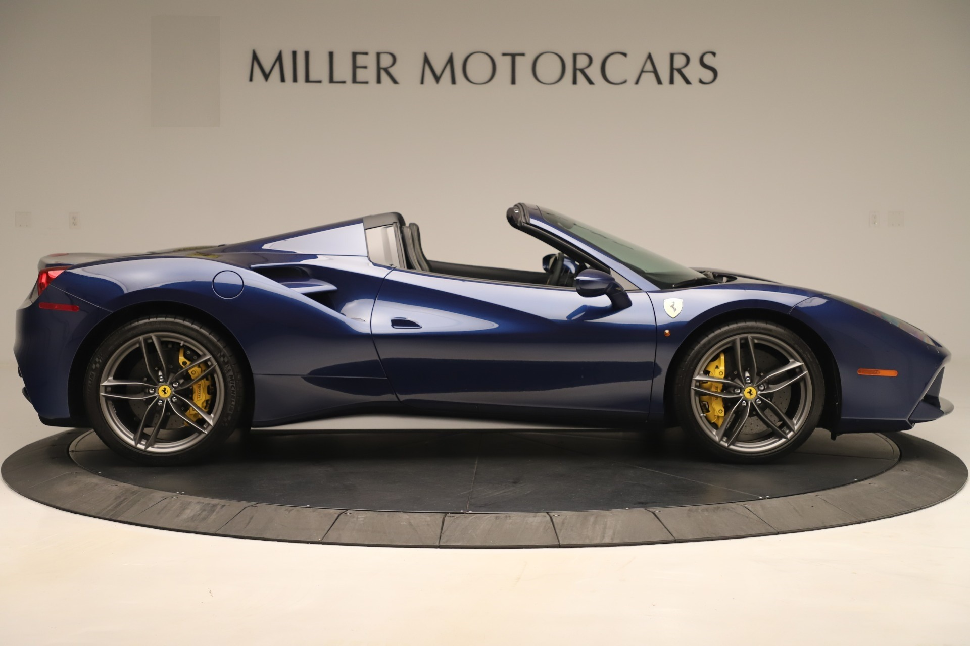 Used 2018 Ferrari 488 Spider  For Sale In Greenwich, CT. Alfa Romeo of Greenwich, F2017A 3465_p9