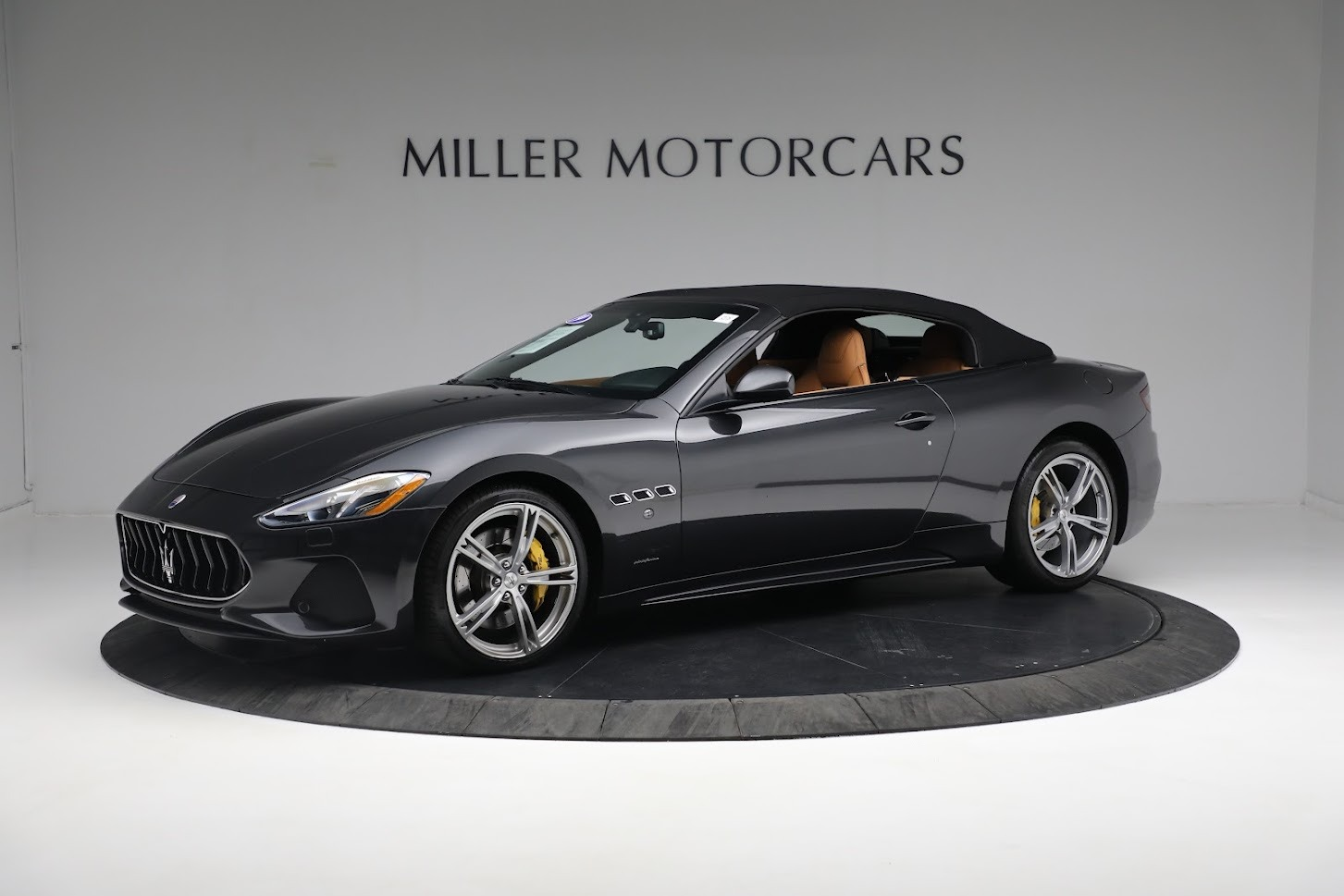 New 2019 Maserati GranTurismo Sport Convertible For Sale In Greenwich, CT. Alfa Romeo of Greenwich, M2331 3469_p2