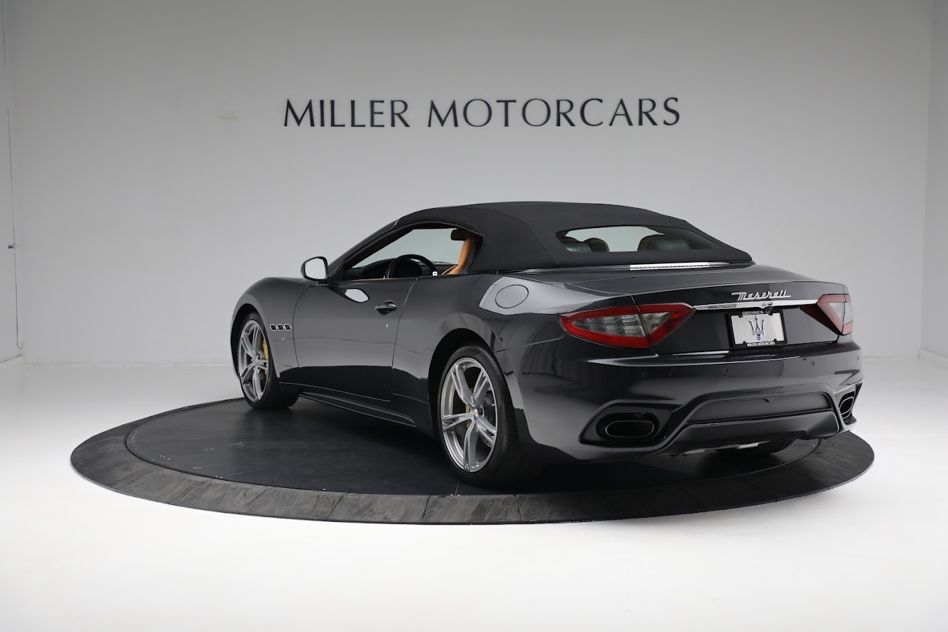 New 2019 Maserati GranTurismo Sport Convertible For Sale In Greenwich, CT. Alfa Romeo of Greenwich, M2331 3469_p4