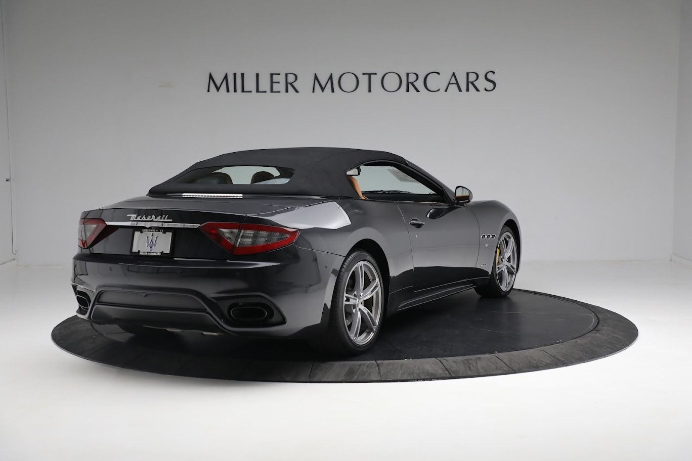 New 2019 Maserati GranTurismo Sport Convertible For Sale In Greenwich, CT. Alfa Romeo of Greenwich, M2331 3469_p6