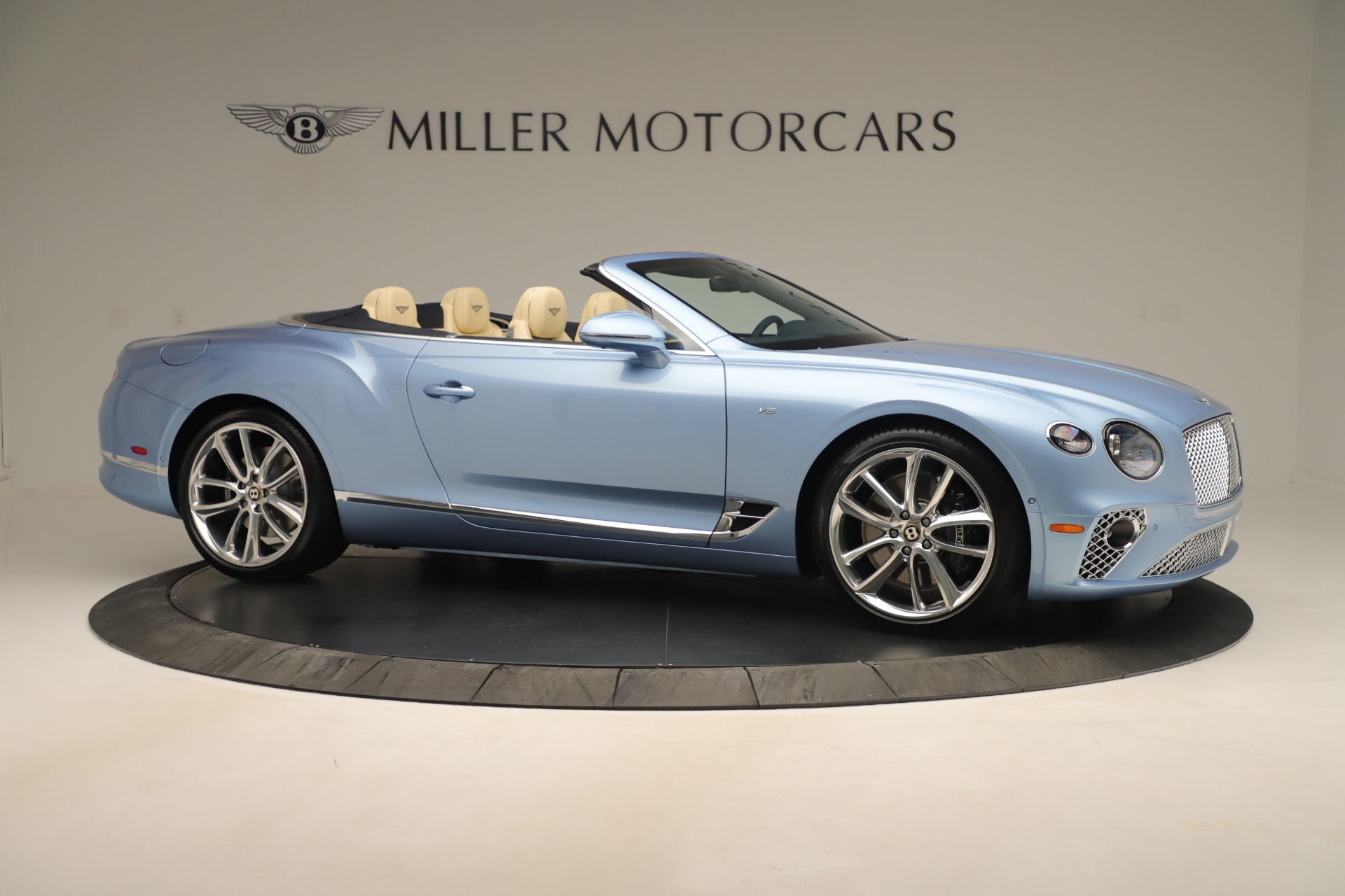 Used 2020 Bentley Continental GTC V8 For Sale In Greenwich, CT. Alfa Romeo of Greenwich, B1432 3472_p10