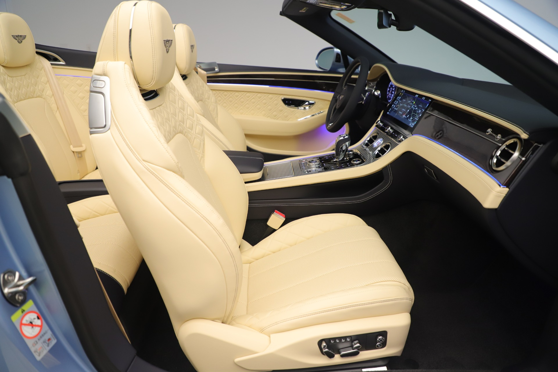 Used 2020 Bentley Continental GTC V8 For Sale In Greenwich, CT. Alfa Romeo of Greenwich, B1432 3472_p31