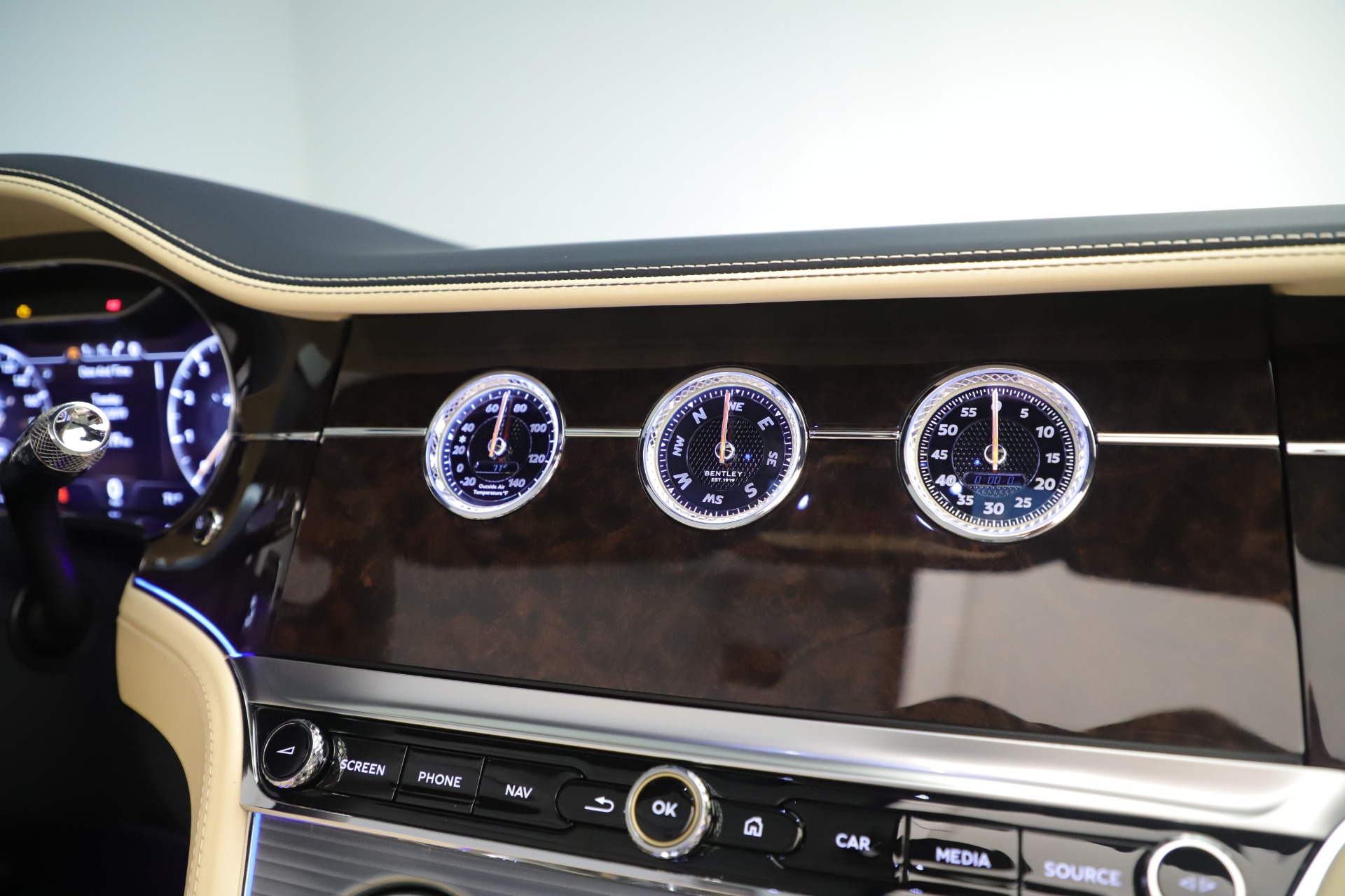 Used 2020 Bentley Continental GTC V8 For Sale In Greenwich, CT. Alfa Romeo of Greenwich, B1432 3472_p34