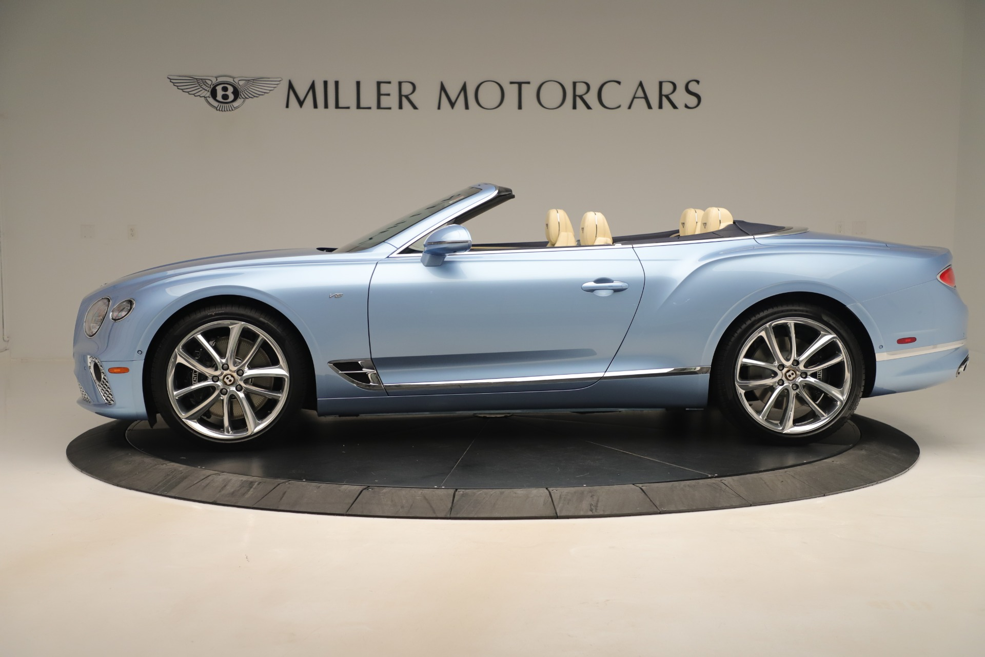 Used 2020 Bentley Continental GTC V8 For Sale In Greenwich, CT. Alfa Romeo of Greenwich, B1432 3472_p3