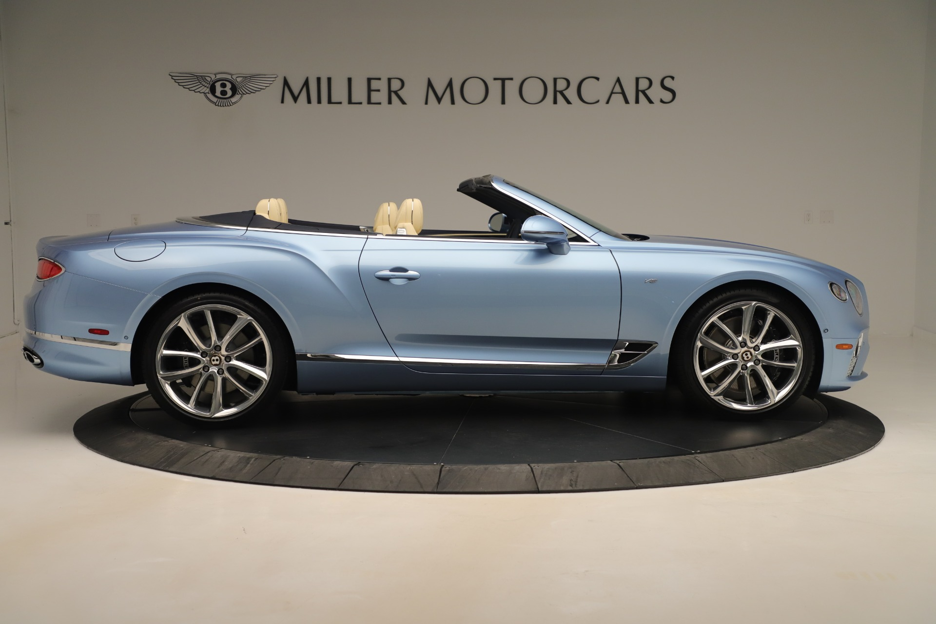 Used 2020 Bentley Continental GTC V8 For Sale In Greenwich, CT. Alfa Romeo of Greenwich, B1432 3472_p9