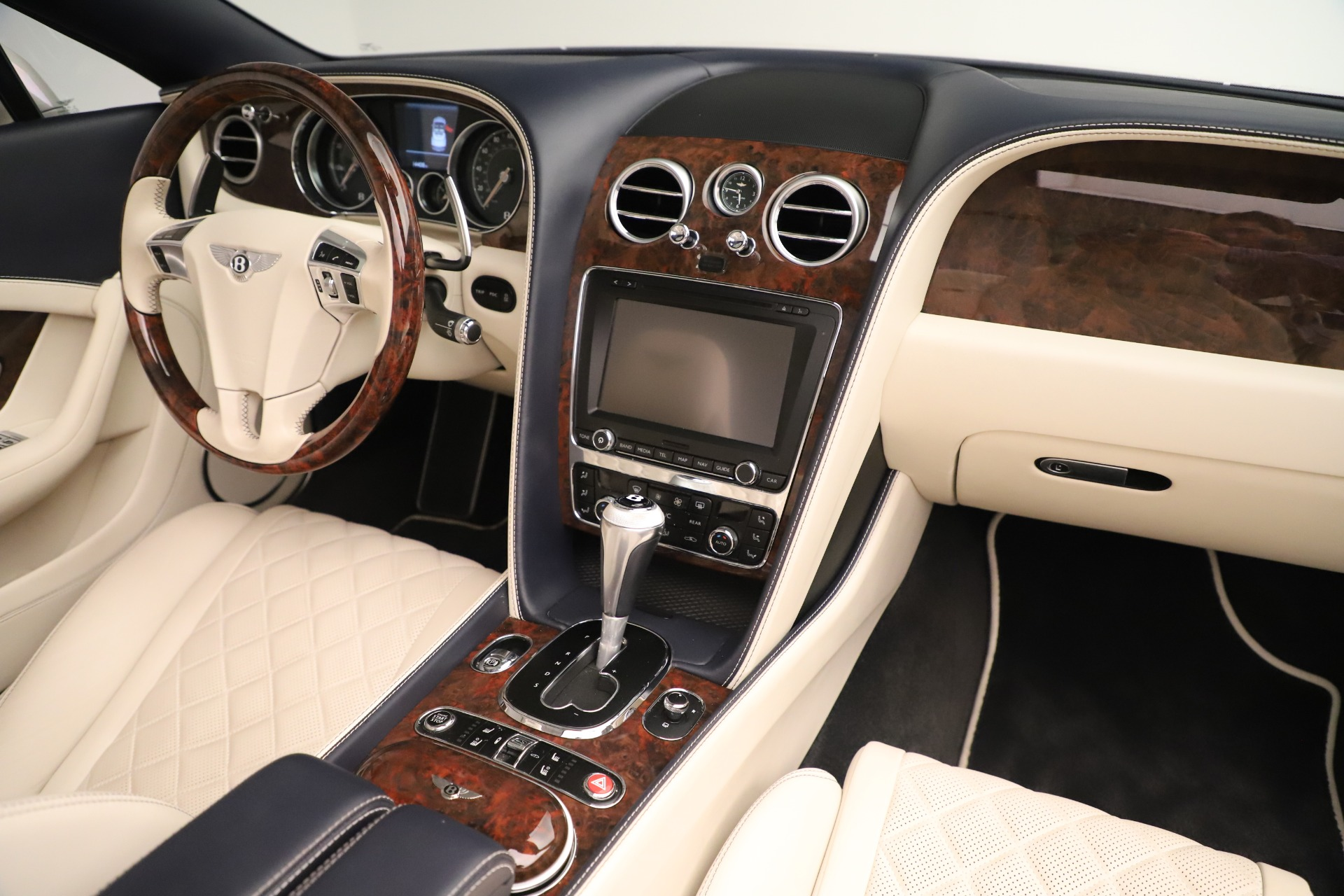 Used 2016 Bentley Continental GT W12 For Sale In Greenwich, CT. Alfa Romeo of Greenwich, 7647 3475_p33