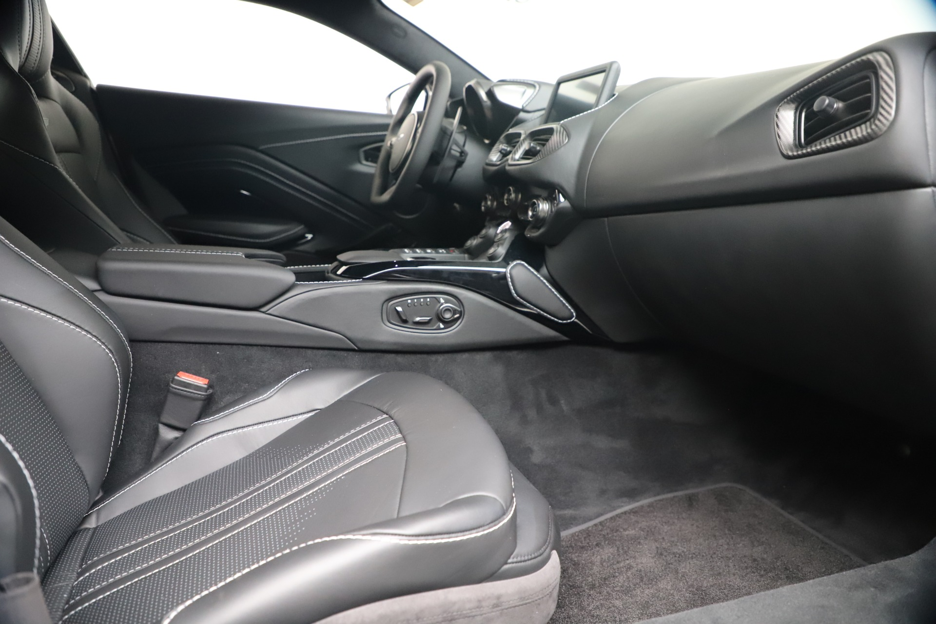 New 2020 Aston Martin Vantage V8 For Sale In Greenwich, CT. Alfa Romeo of Greenwich, A1414 3481_p35