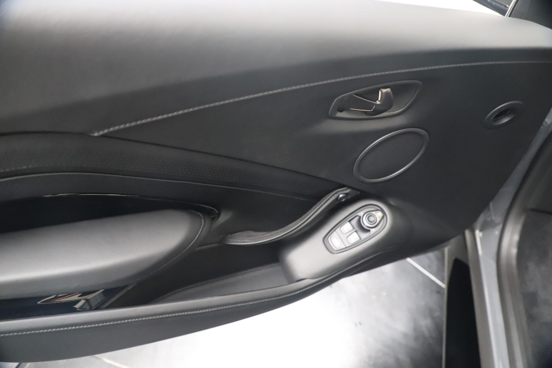 New 2020 Aston Martin Vantage V8 For Sale In Greenwich, CT. Alfa Romeo of Greenwich, A1415 3482_p31