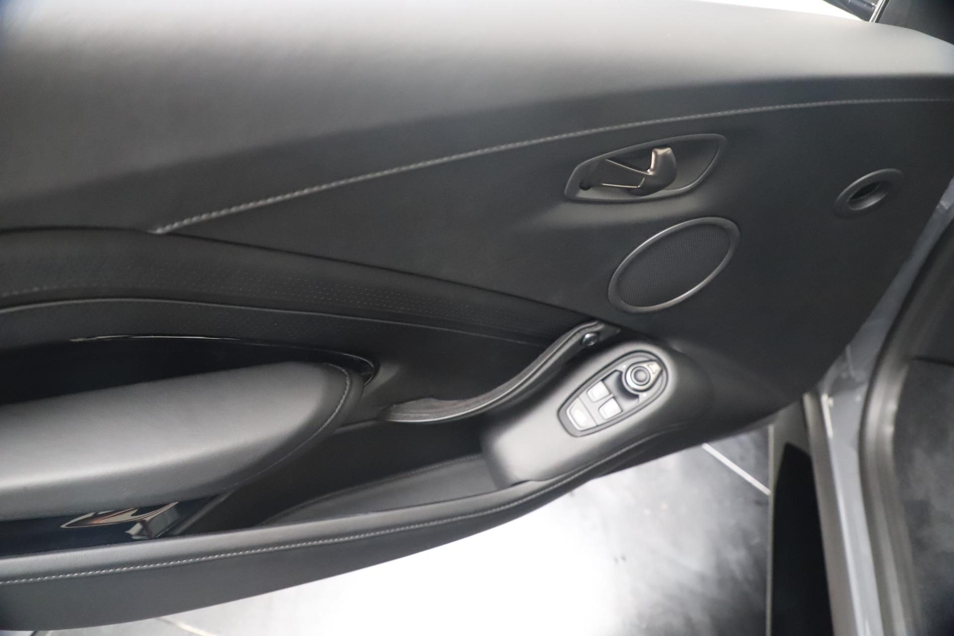 New 2020 Aston Martin Vantage V8 For Sale In Greenwich, CT. Alfa Romeo of Greenwich, A1415 3482_p32