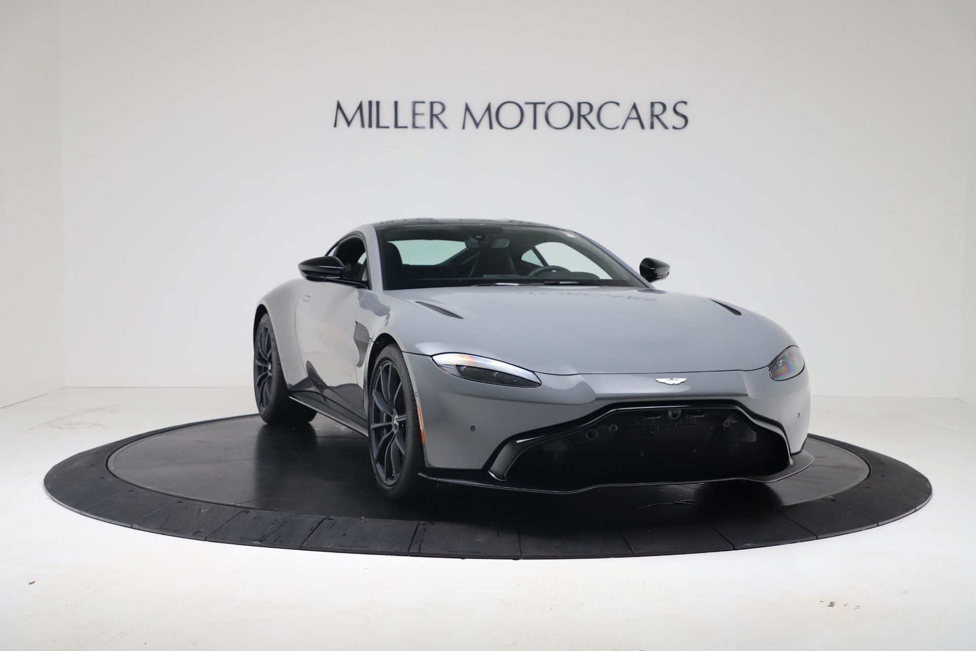 New 2020 Aston Martin Vantage V8 For Sale In Greenwich, CT. Alfa Romeo of Greenwich, A1415 3482_p7