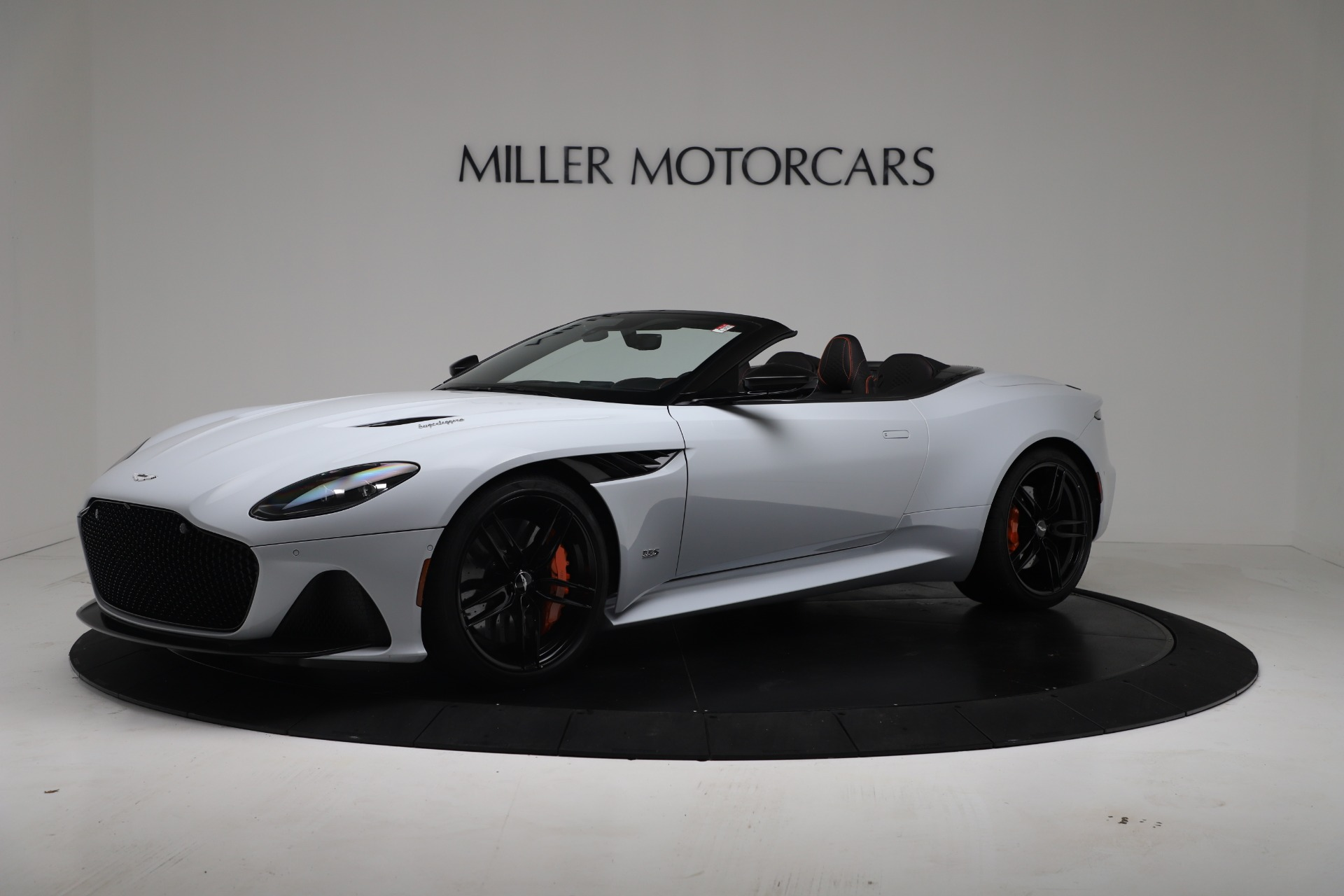 New 2020 Aston Martin DBS Superleggera Volante Convertible For Sale In Greenwich, CT. Alfa Romeo of Greenwich, A1413 3484_main