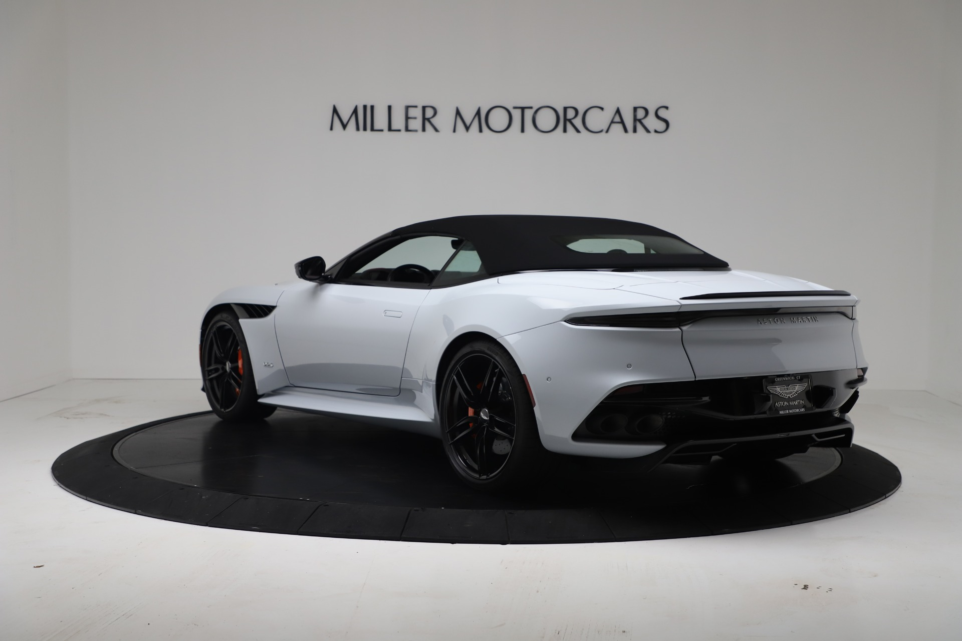 New 2020 Aston Martin DBS Superleggera Volante Convertible For Sale In Greenwich, CT. Alfa Romeo of Greenwich, A1413 3484_p15