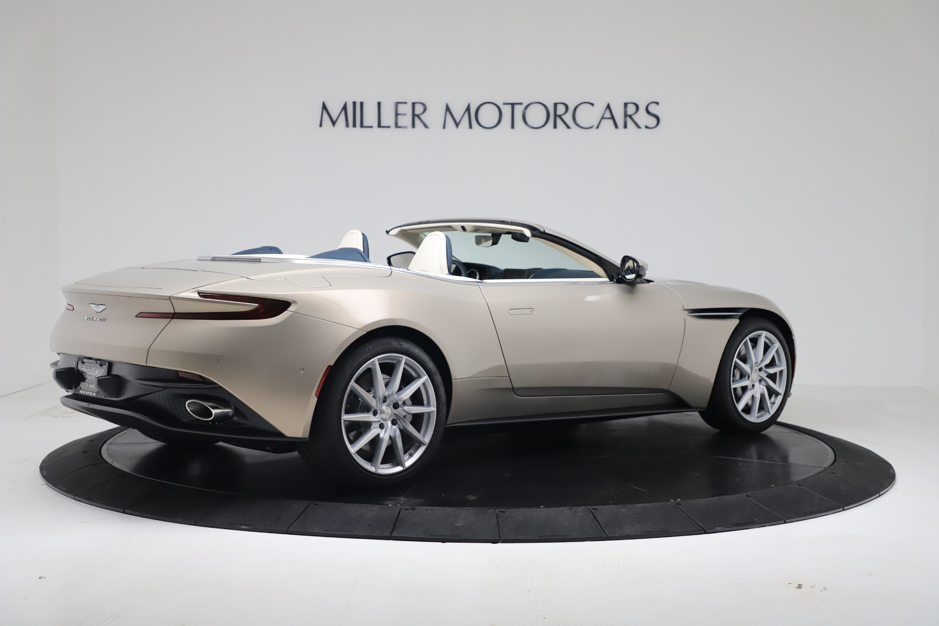 New 2020 Aston Martin DB11 V8 For Sale In Greenwich, CT. Alfa Romeo of Greenwich, A1411 3485_p13