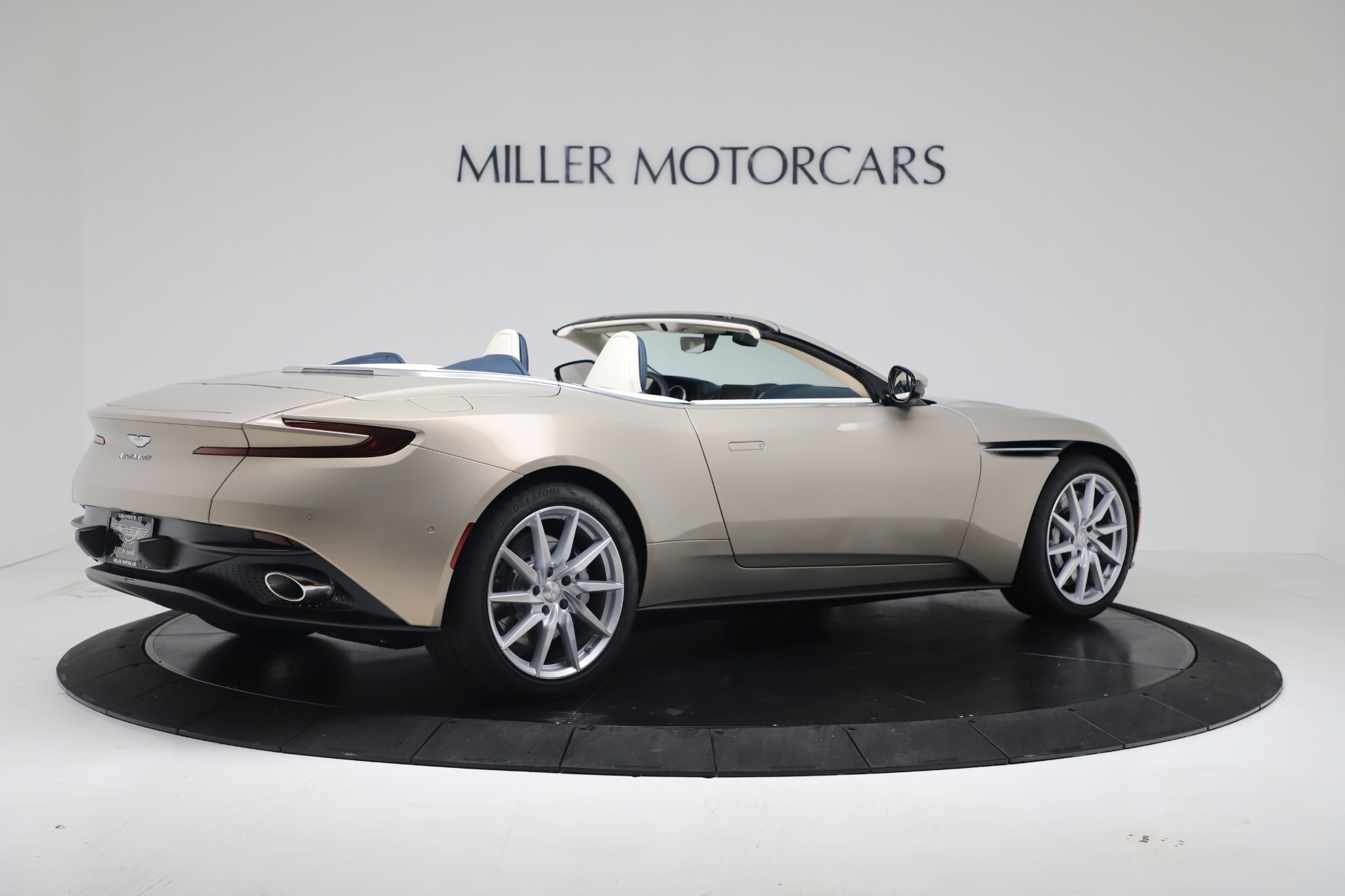 New 2020 Aston Martin DB11 V8 For Sale In Greenwich, CT. Alfa Romeo of Greenwich, A1411 3485_p14