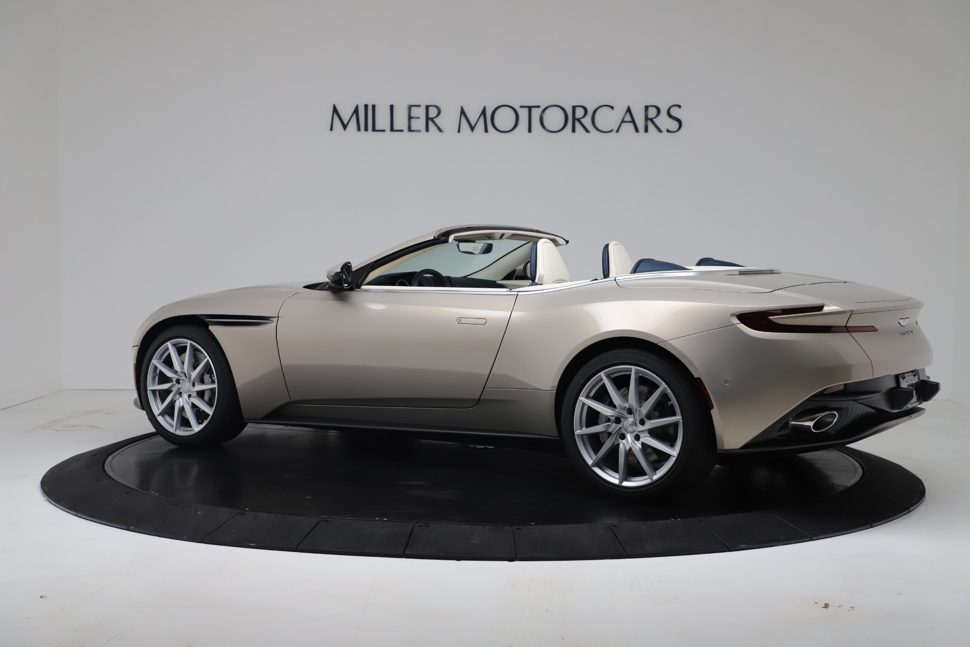 New 2020 Aston Martin DB11 V8 For Sale In Greenwich, CT. Alfa Romeo of Greenwich, A1411 3485_p21