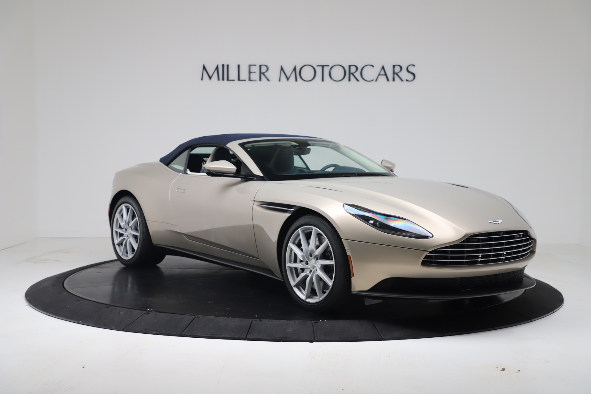 New 2020 Aston Martin DB11 V8 For Sale In Greenwich, CT. Alfa Romeo of Greenwich, A1411 3485_p27