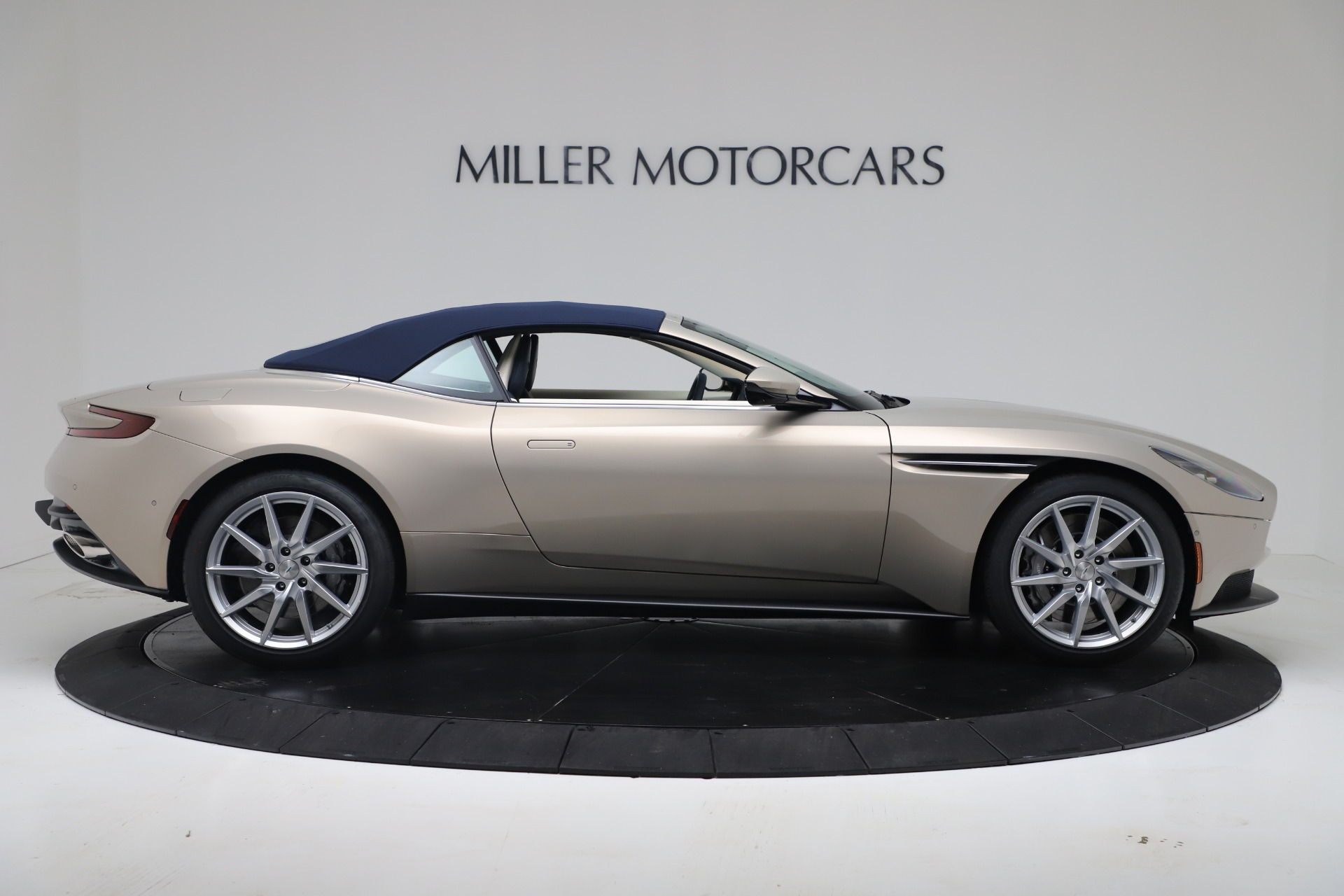 New 2020 Aston Martin DB11 V8 For Sale In Greenwich, CT. Alfa Romeo of Greenwich, A1411 3485_p30