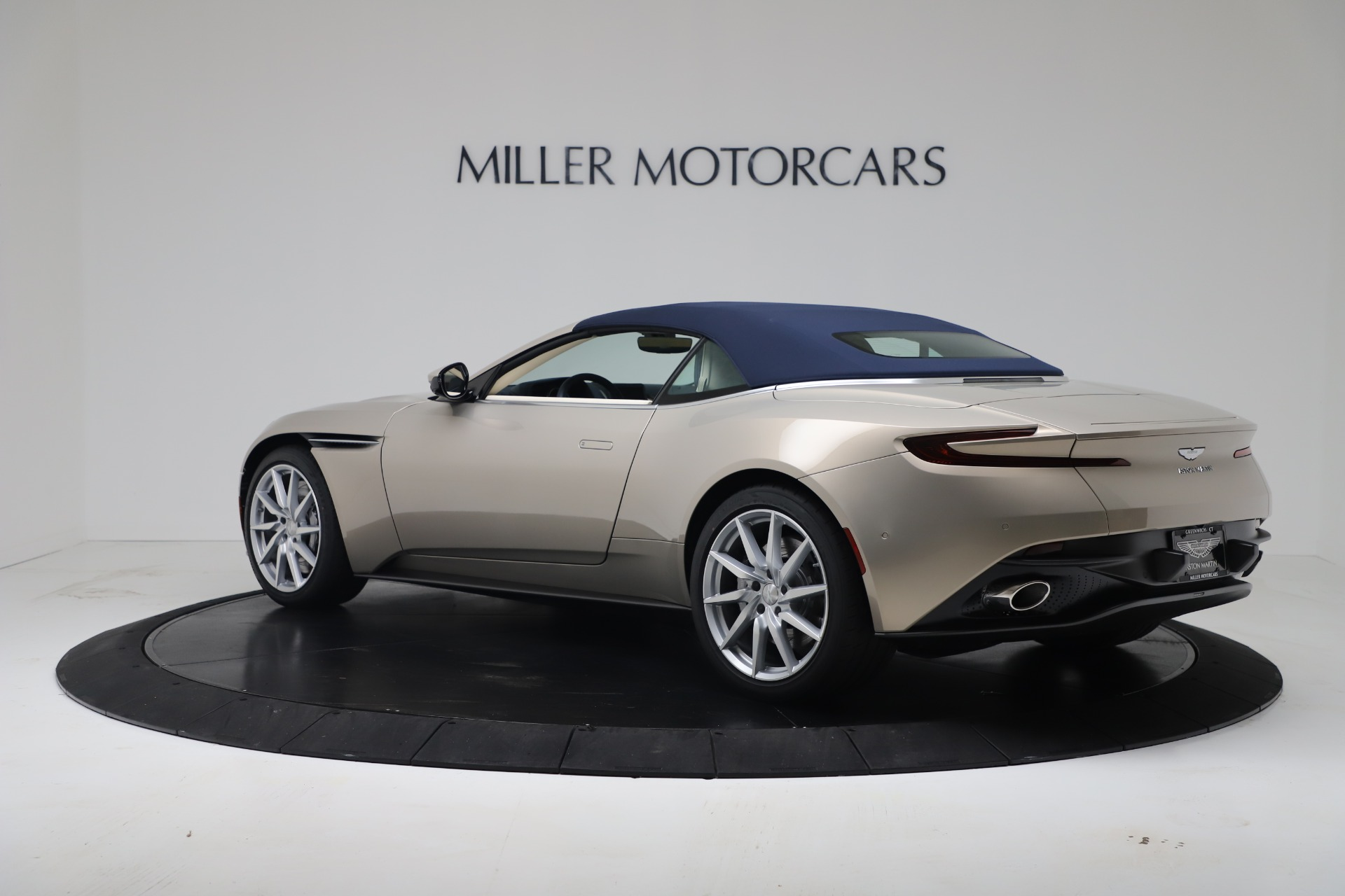 New 2020 Aston Martin DB11 V8 For Sale In Greenwich, CT. Alfa Romeo of Greenwich, A1411 3485_p35