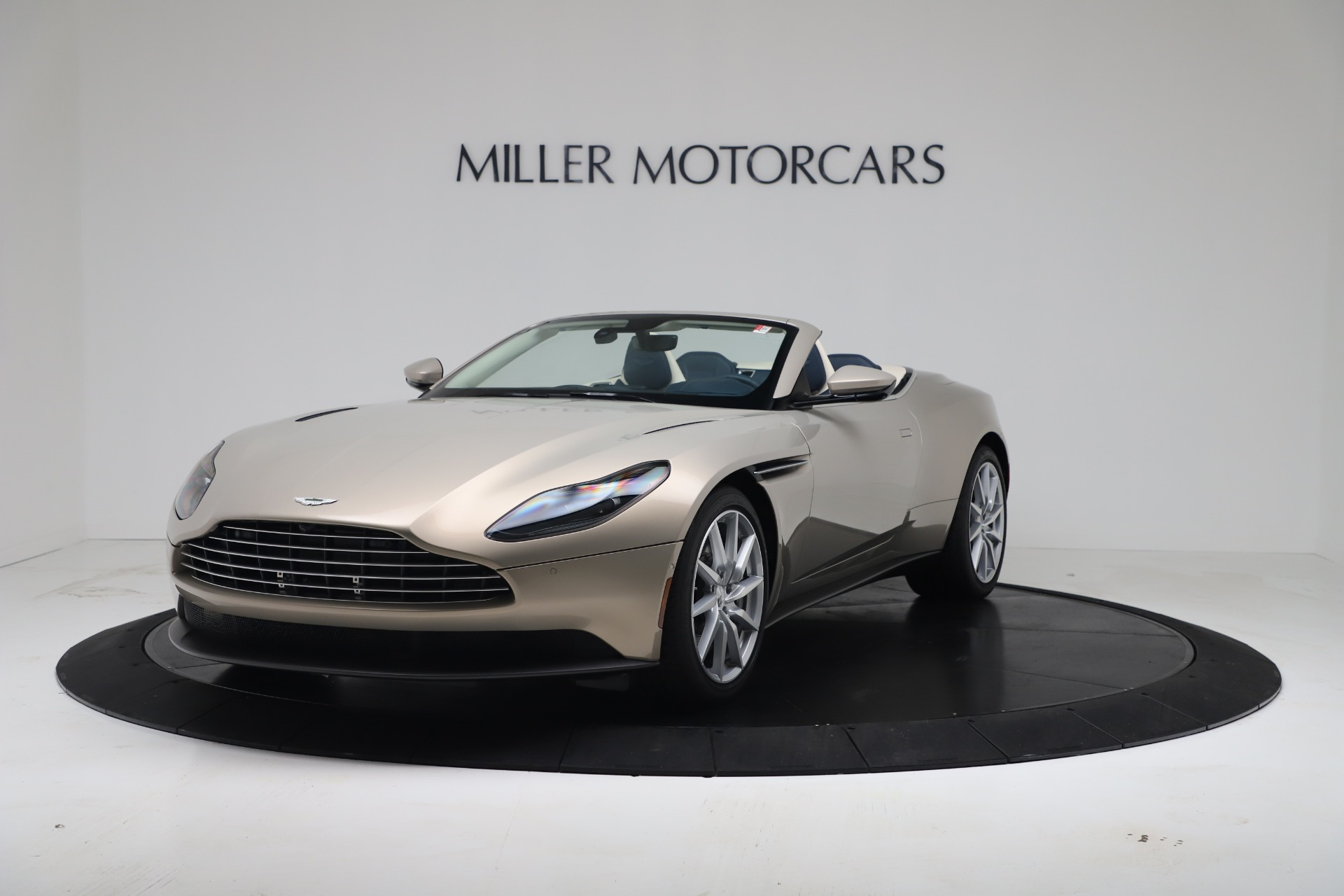 New 2020 Aston Martin DB11 V8 For Sale In Greenwich, CT. Alfa Romeo of Greenwich, A1411 3485_p4