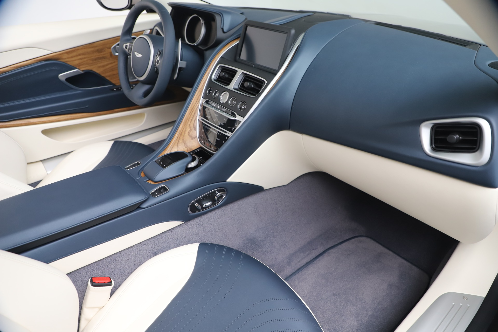 New 2020 Aston Martin DB11 V8 For Sale In Greenwich, CT. Alfa Romeo of Greenwich, A1411 3485_p55