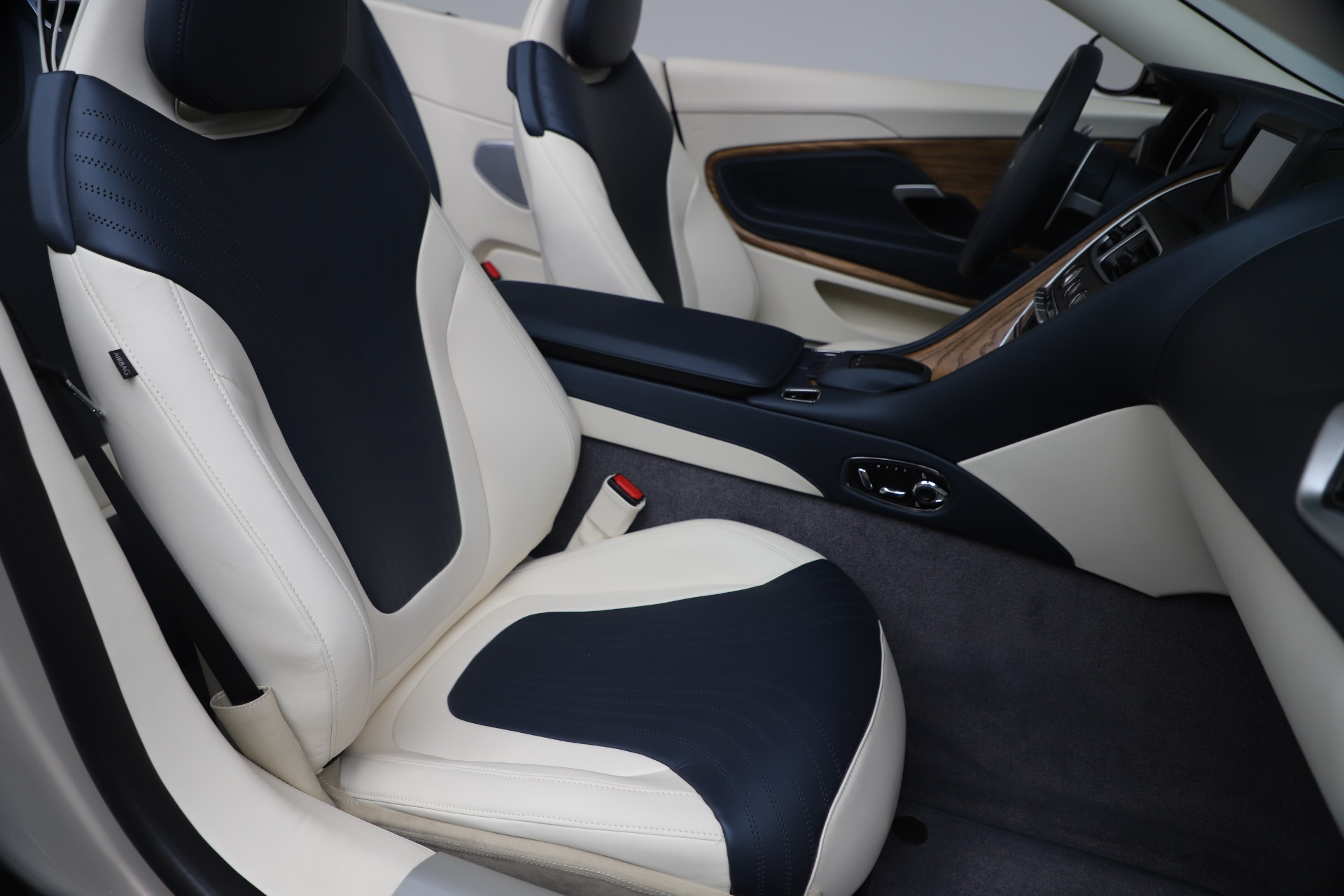 New 2020 Aston Martin DB11 V8 For Sale In Greenwich, CT. Alfa Romeo of Greenwich, A1411 3485_p58