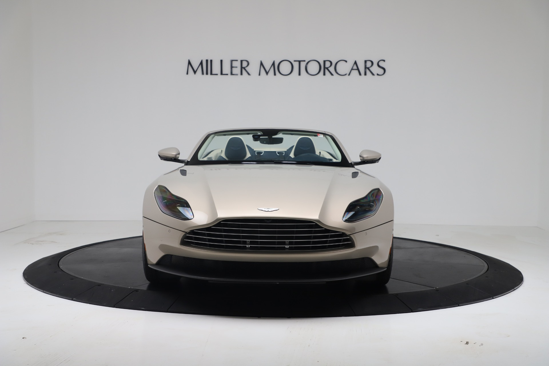New 2020 Aston Martin DB11 V8 For Sale In Greenwich, CT. Alfa Romeo of Greenwich, A1411 3485_p5