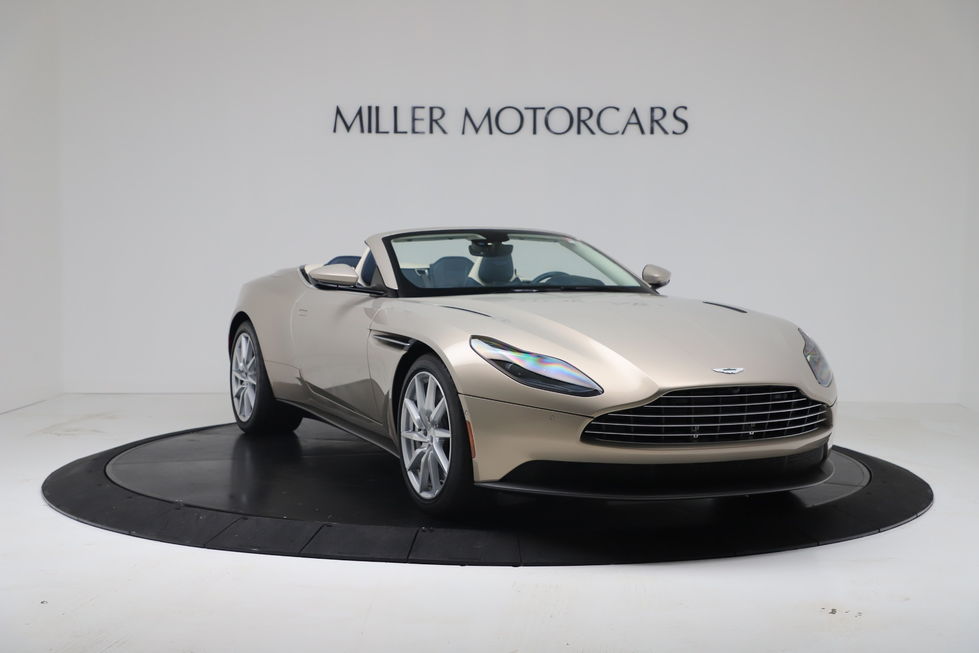 New 2020 Aston Martin DB11 V8 For Sale In Greenwich, CT. Alfa Romeo of Greenwich, A1411 3485_p7