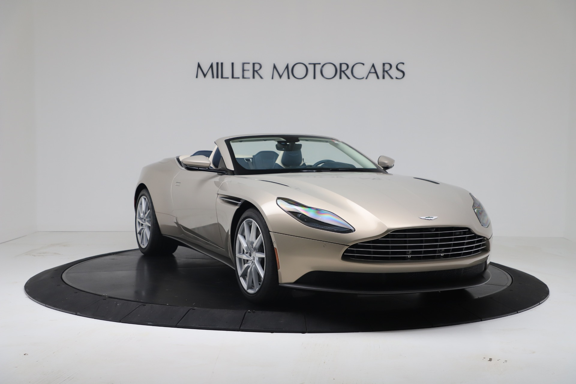 New 2020 Aston Martin DB11 V8 For Sale In Greenwich, CT. Alfa Romeo of Greenwich, A1411 3485_p8