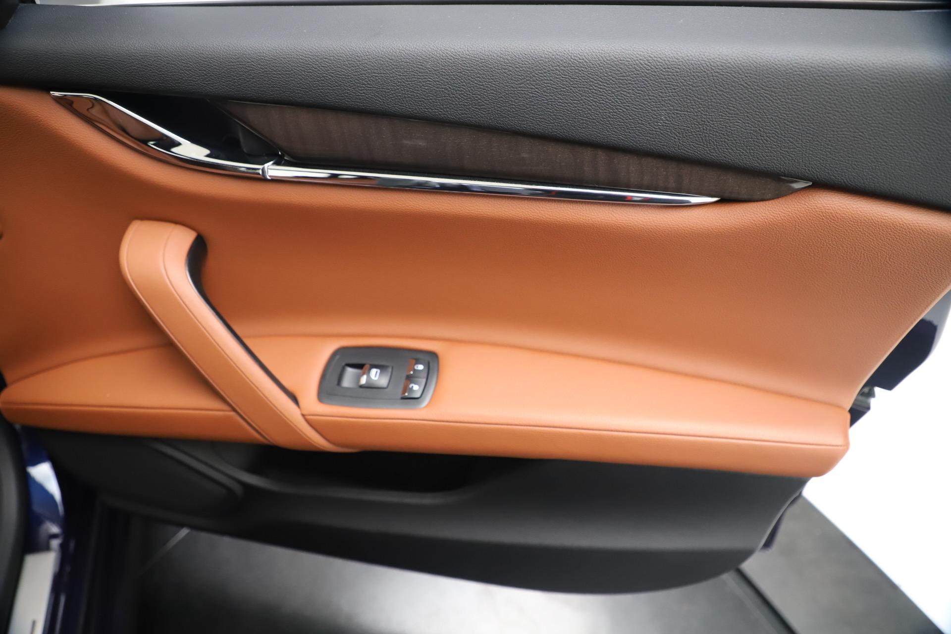 Used 2016 Maserati Quattroporte S Q4 For Sale In Greenwich, CT. Alfa Romeo of Greenwich, 7653 3501_p25