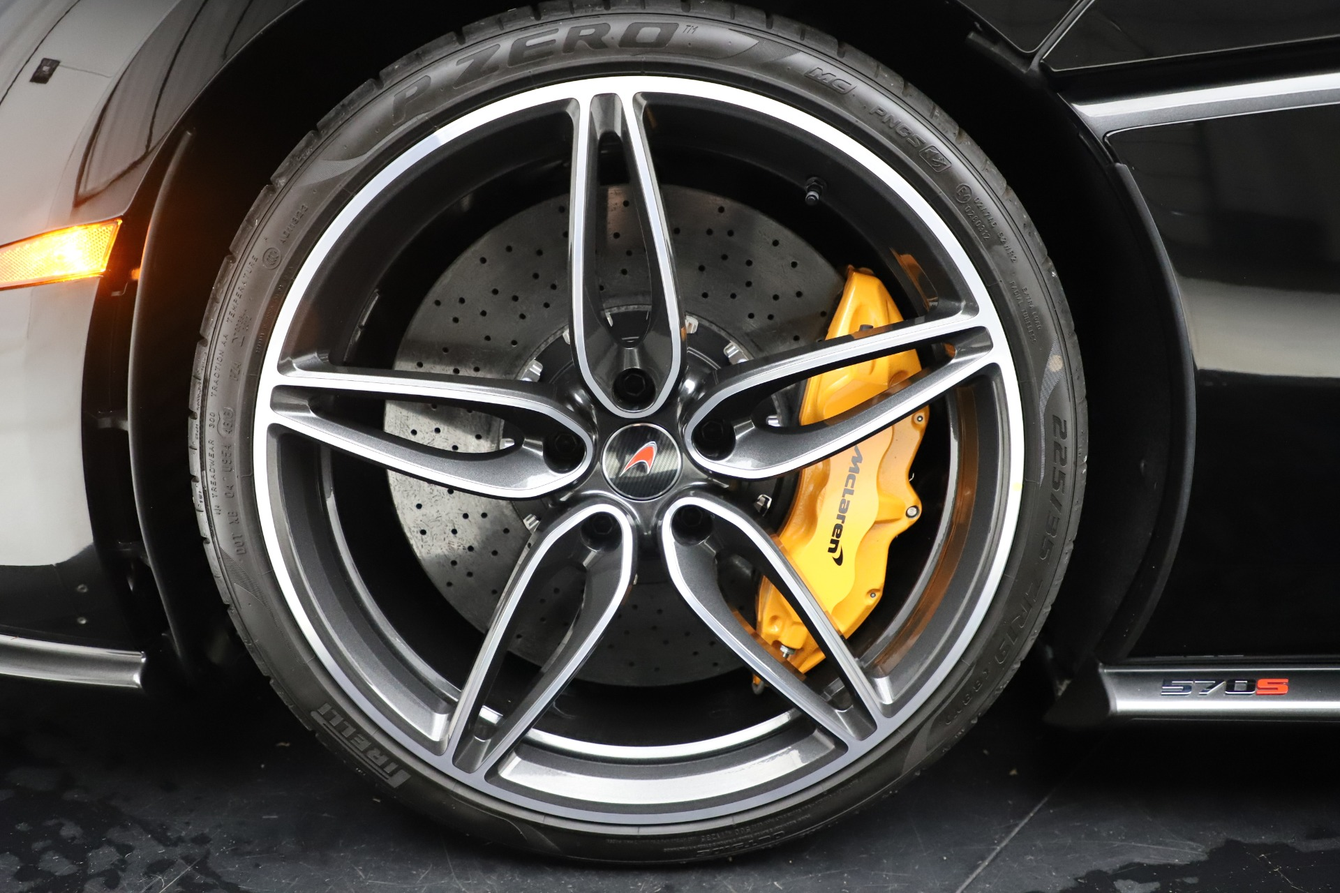 Used 2017 McLaren 570S Coupe For Sale In Greenwich, CT. Alfa Romeo of Greenwich, 3179 3503_p15
