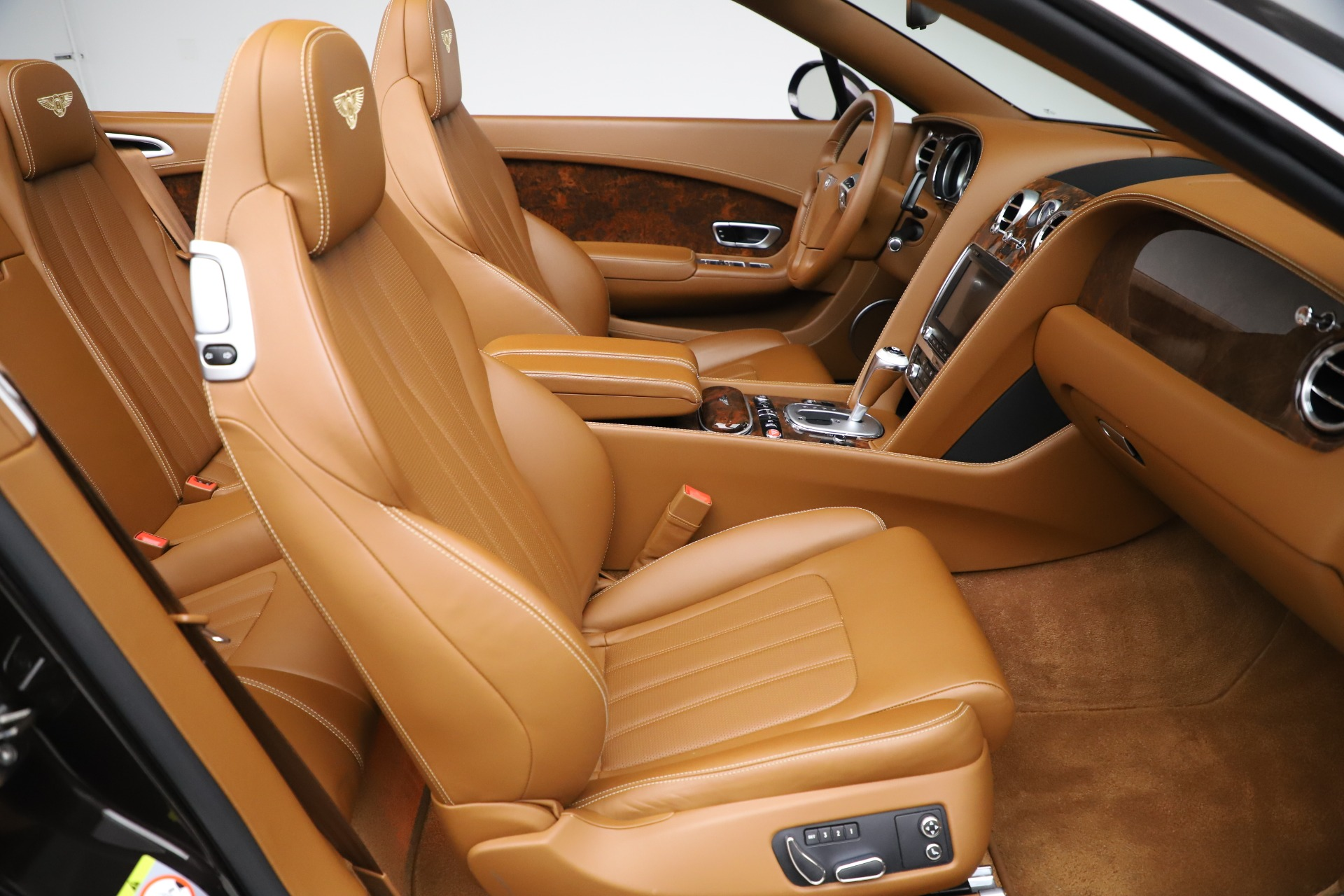 Used 2013 Bentley Continental GT W12 For Sale In Greenwich, CT. Alfa Romeo of Greenwich, 7625A 3505_p32