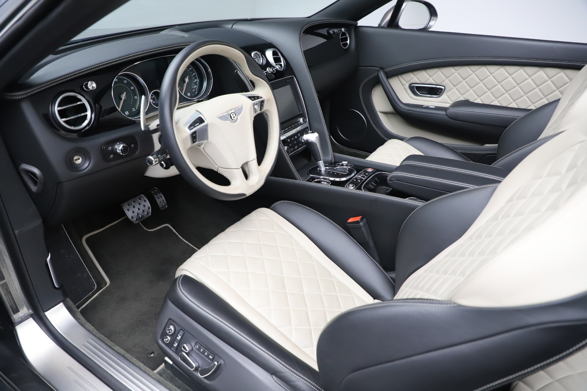 Used 2016 Bentley Continental GT V8 S For Sale In Greenwich, CT. Alfa Romeo of Greenwich, B1433A 3527_p23