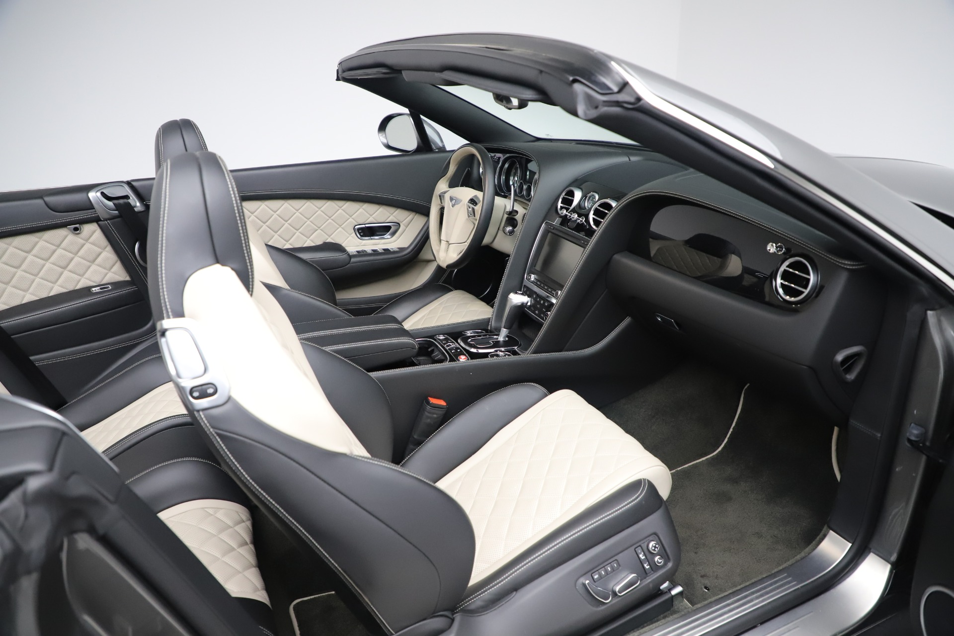 Used 2016 Bentley Continental GT V8 S For Sale In Greenwich, CT. Alfa Romeo of Greenwich, B1433A 3527_p29