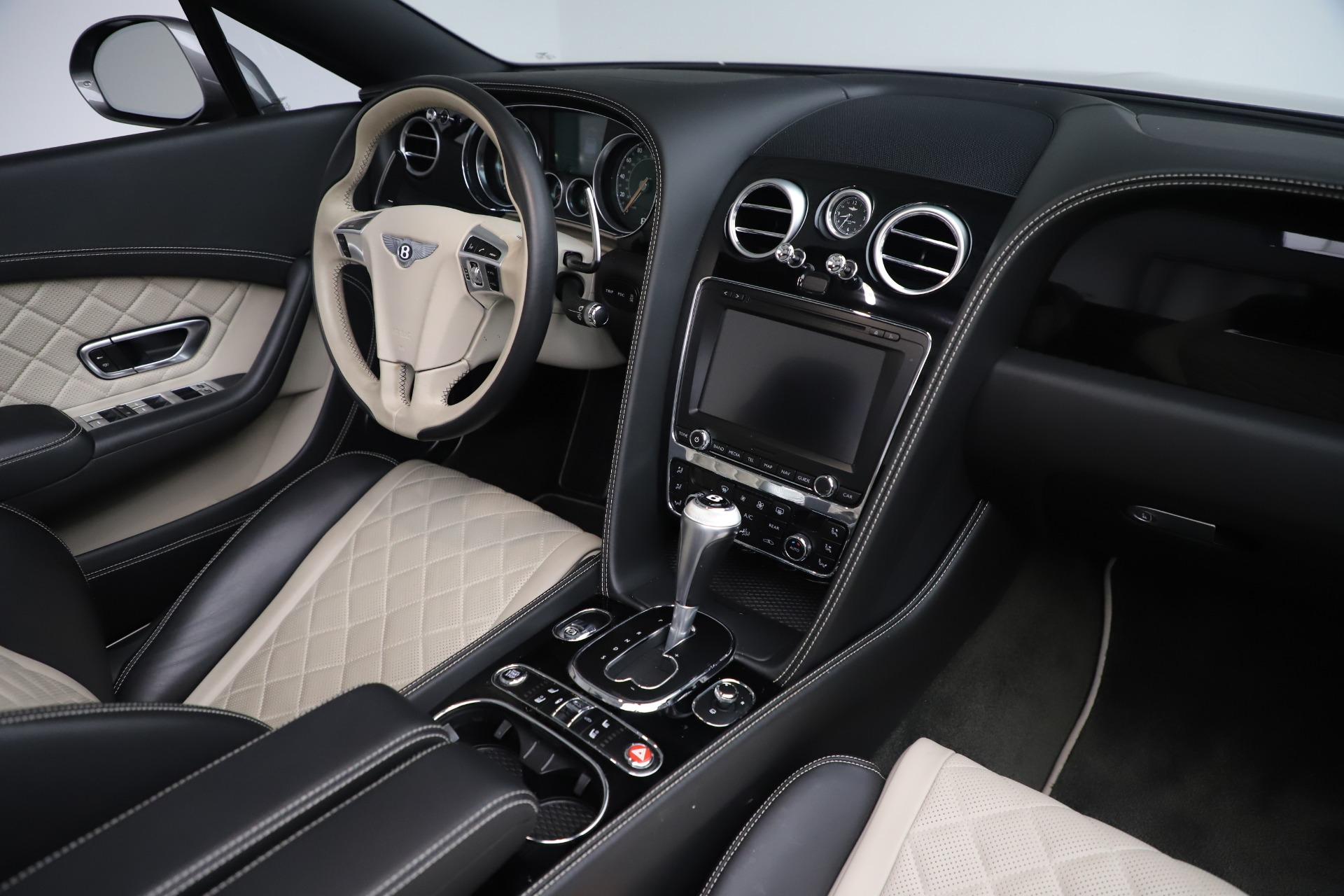 Used 2016 Bentley Continental GT V8 S For Sale In Greenwich, CT. Alfa Romeo of Greenwich, B1433A 3527_p32