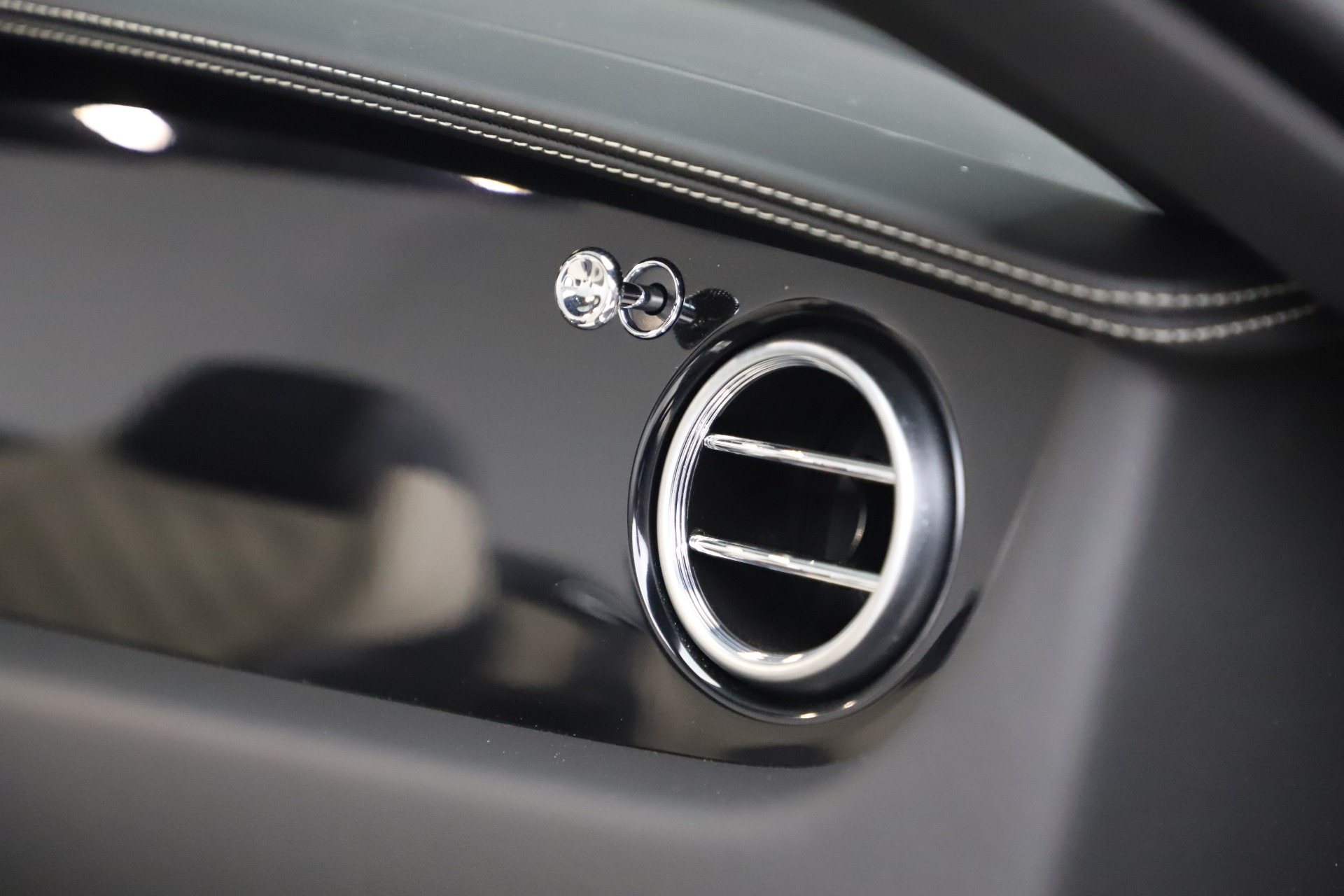 Used 2016 Bentley Continental GT V8 S For Sale In Greenwich, CT. Alfa Romeo of Greenwich, B1433A 3527_p33