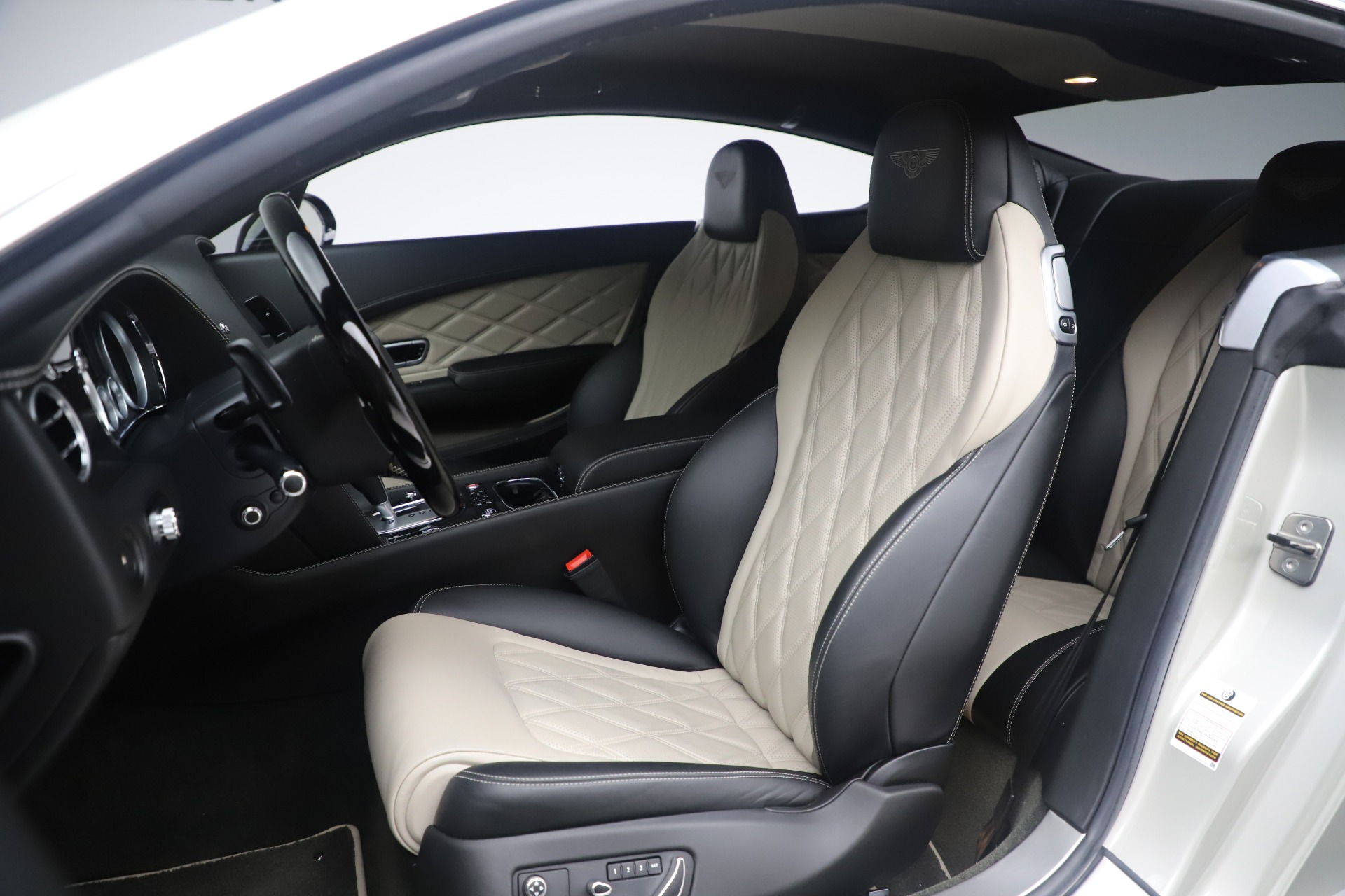 Used 2014 Bentley Continental GT V8 S For Sale In Greenwich, CT. Alfa Romeo of Greenwich, 7680 3541_p19