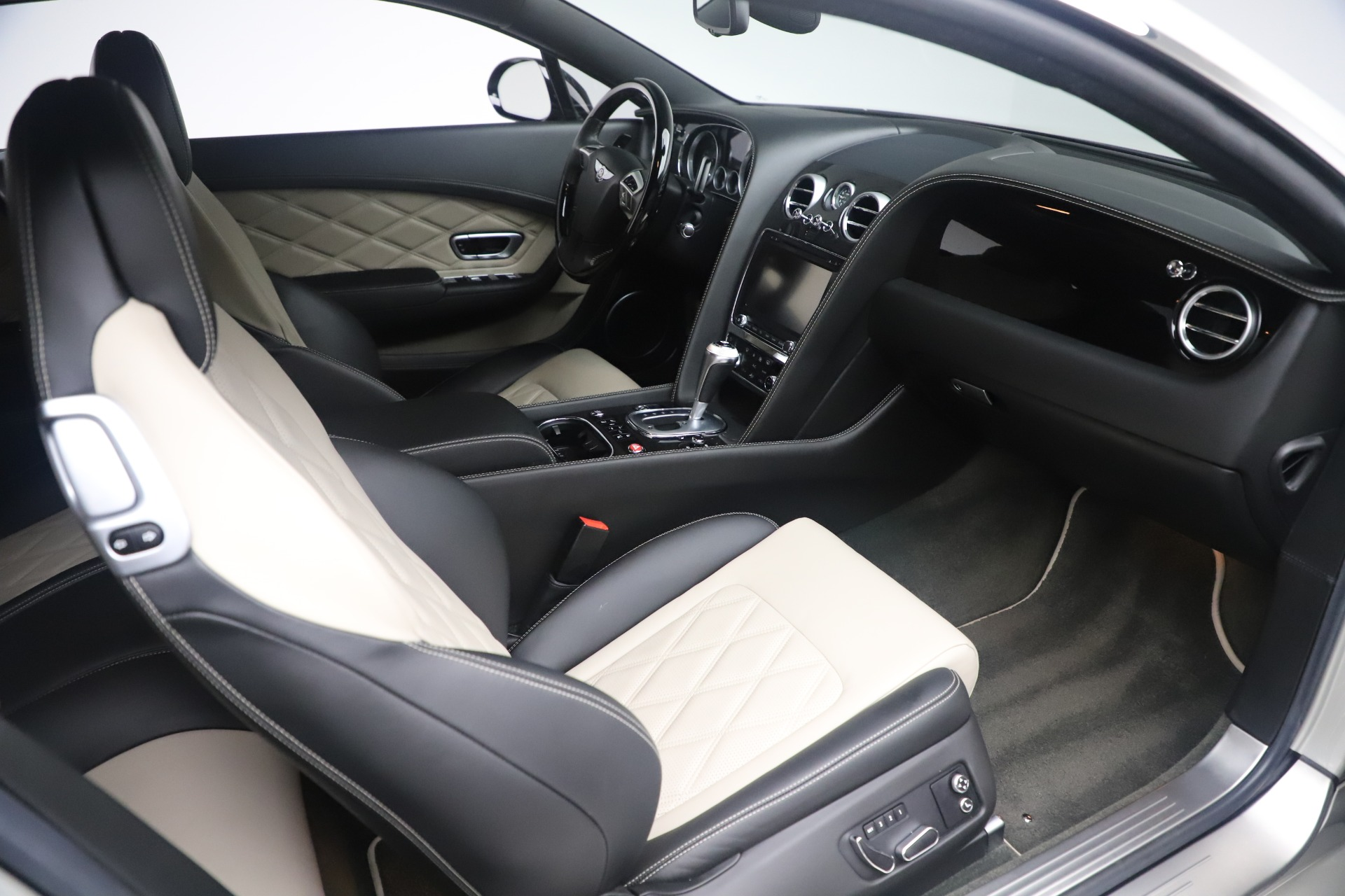 Used 2014 Bentley Continental GT V8 S For Sale In Greenwich, CT. Alfa Romeo of Greenwich, 7680 3541_p23