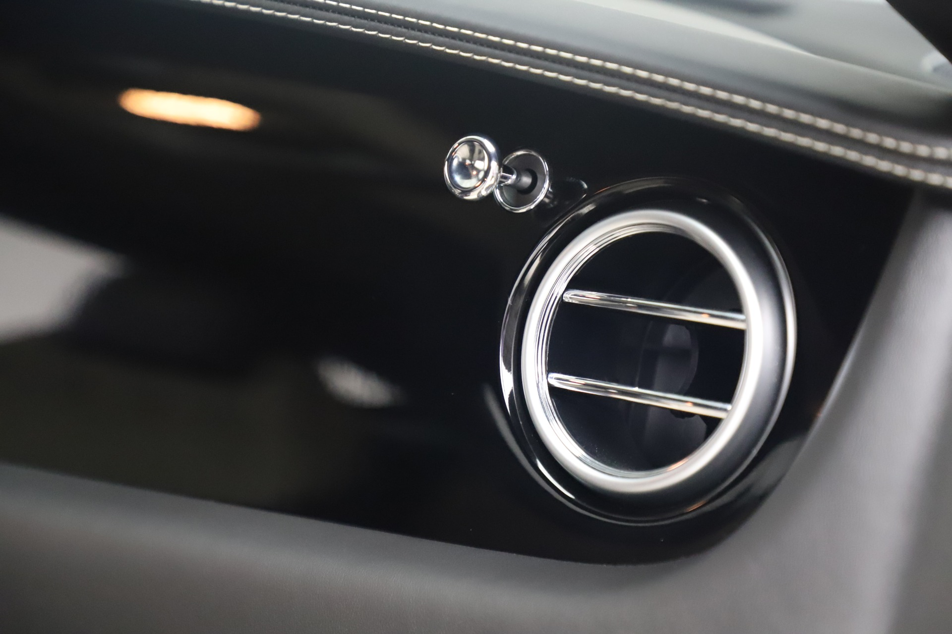Used 2014 Bentley Continental GT V8 S For Sale In Greenwich, CT. Alfa Romeo of Greenwich, 7680 3541_p26