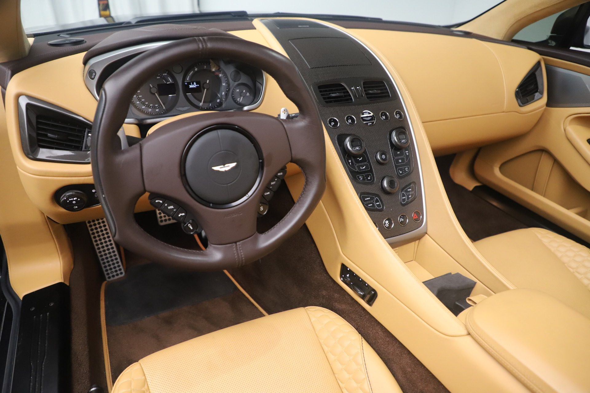 Used 2016 Aston Martin Vanquish Volante For Sale In Greenwich, CT. Alfa Romeo of Greenwich, 7676 3542_p21
