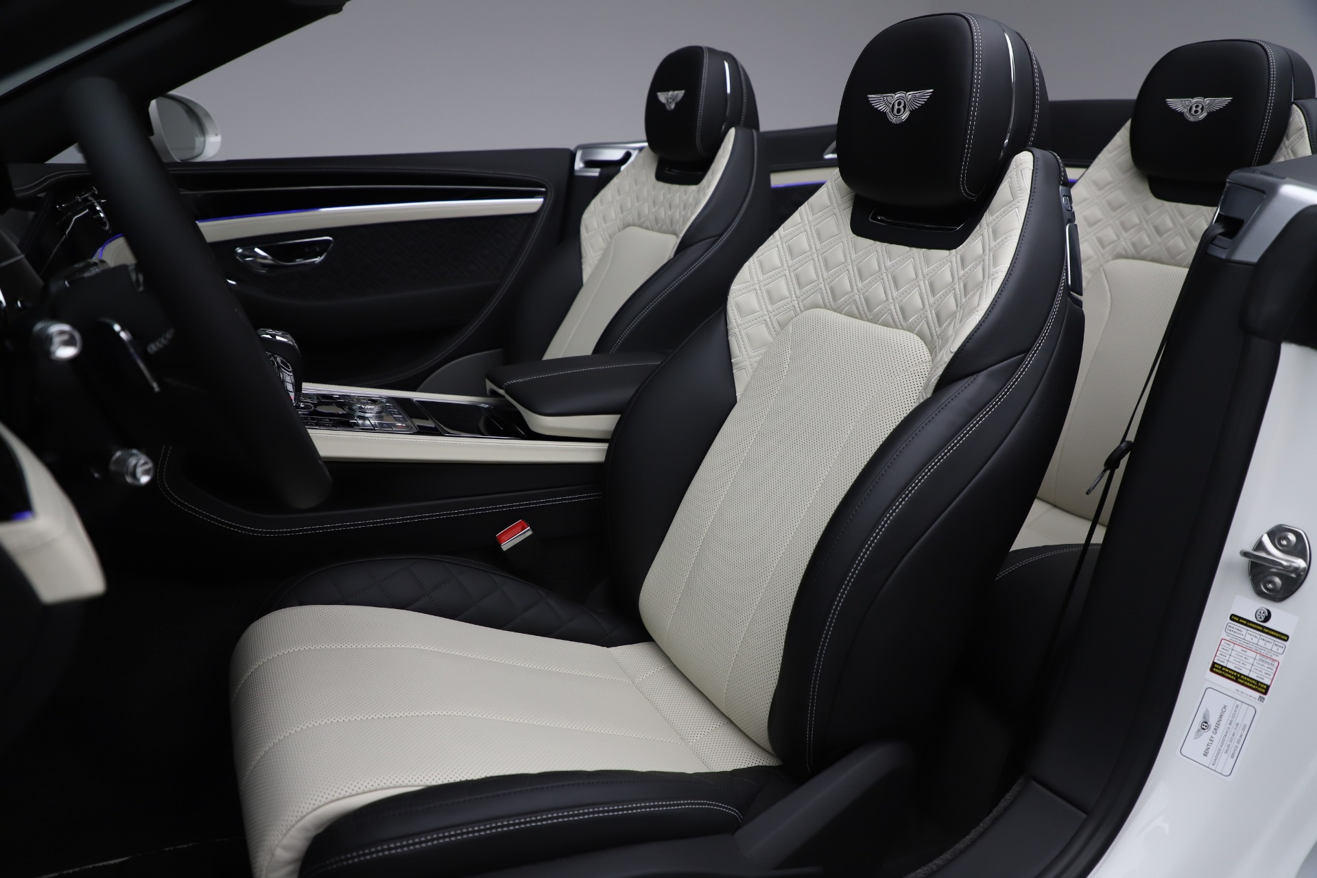 New 2020 Bentley Continental GTC V8 For Sale In Greenwich, CT. Alfa Romeo of Greenwich, B1451 3561_p28