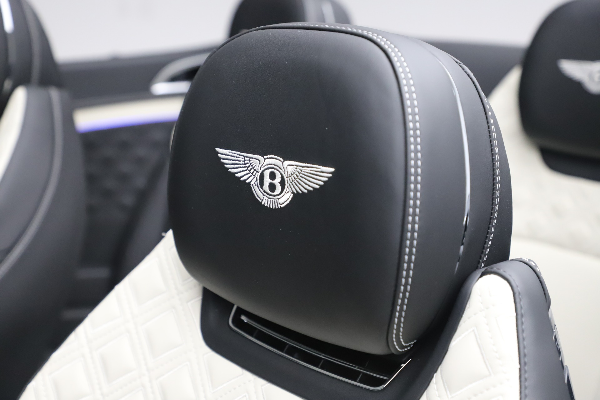 New 2020 Bentley Continental GTC V8 For Sale In Greenwich, CT. Alfa Romeo of Greenwich, B1451 3561_p30
