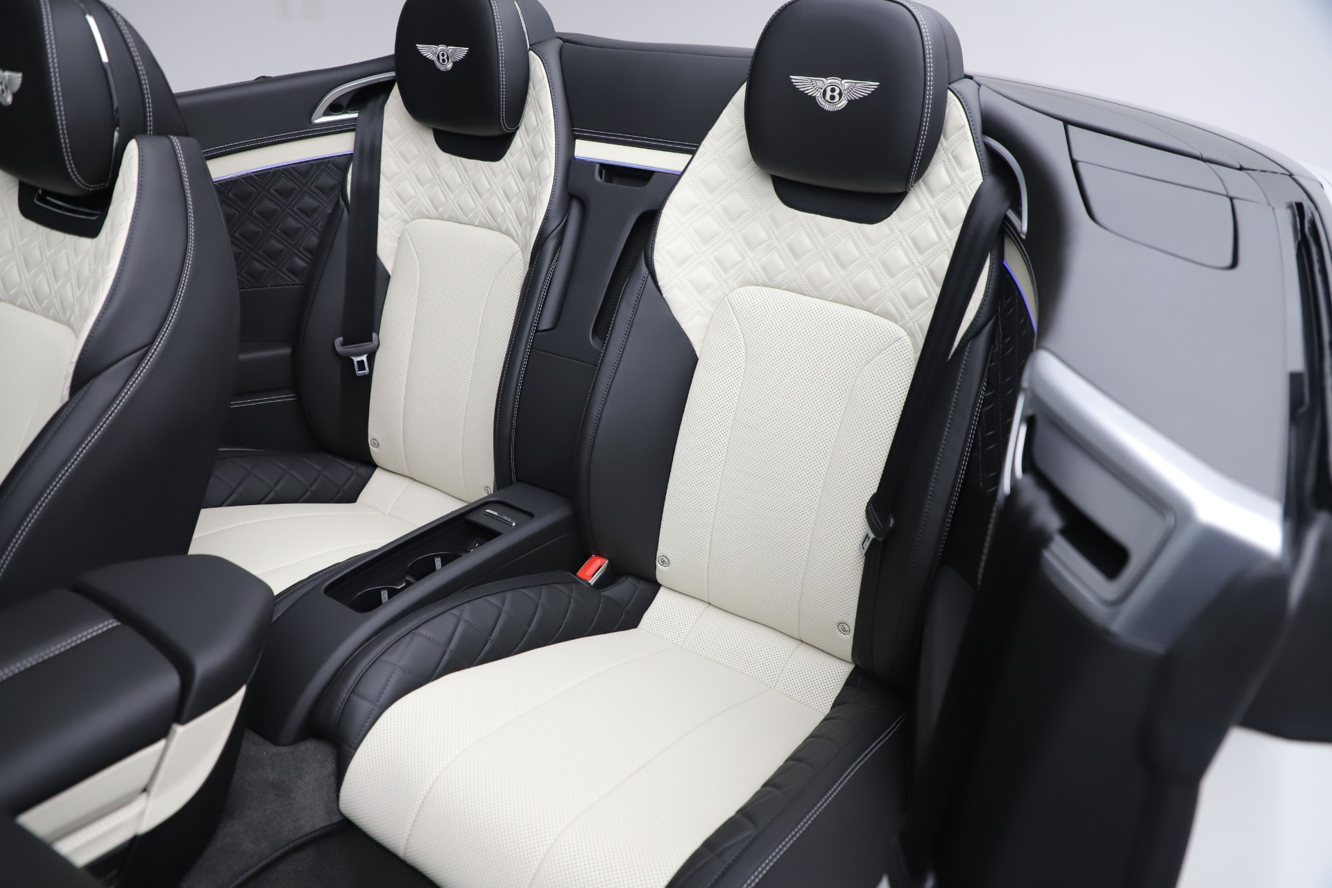 New 2020 Bentley Continental GTC V8 For Sale In Greenwich, CT. Alfa Romeo of Greenwich, B1451 3561_p31