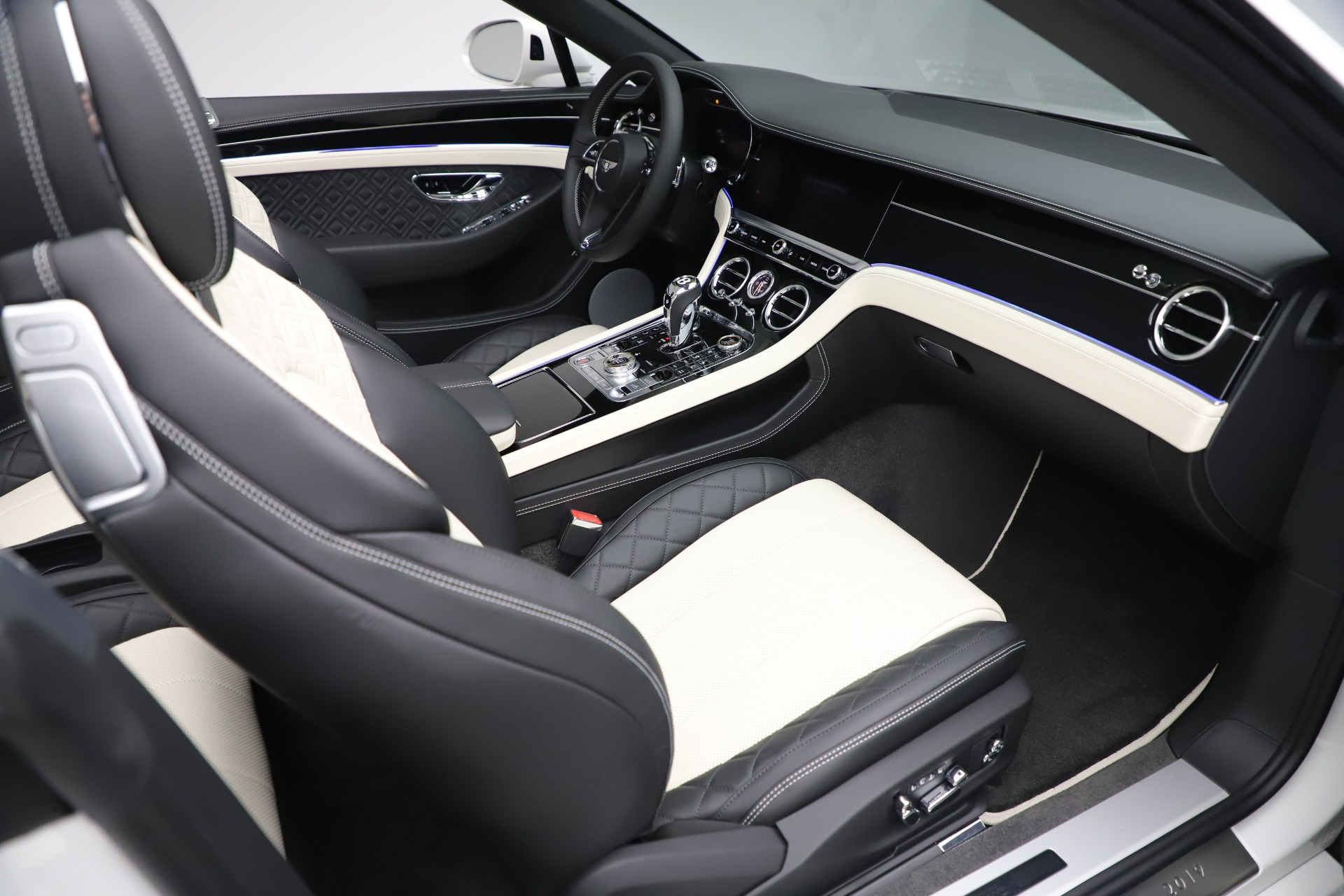 New 2020 Bentley Continental GTC V8 For Sale In Greenwich, CT. Alfa Romeo of Greenwich, B1451 3561_p35