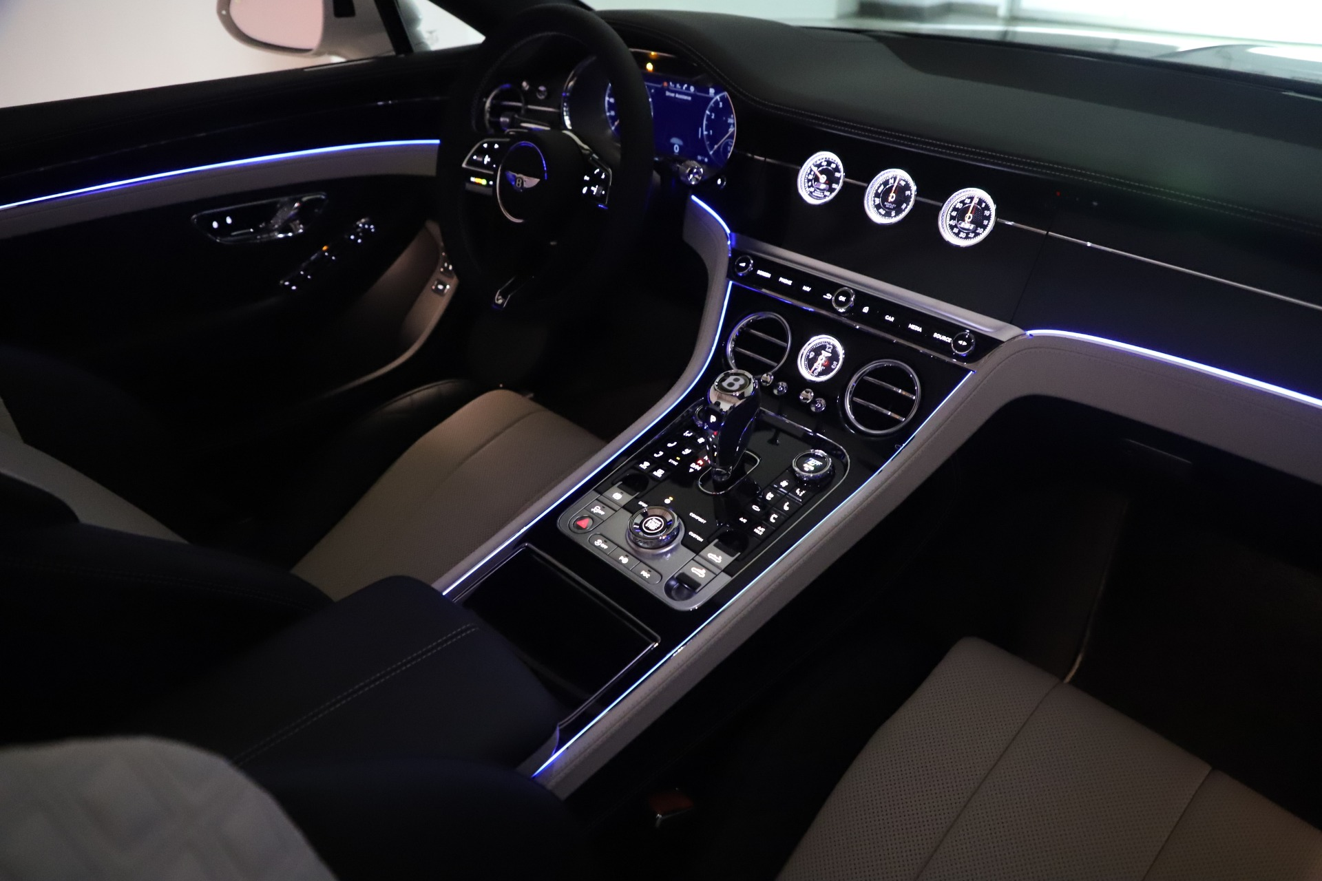 New 2020 Bentley Continental GTC V8 For Sale In Greenwich, CT. Alfa Romeo of Greenwich, B1451 3561_p39
