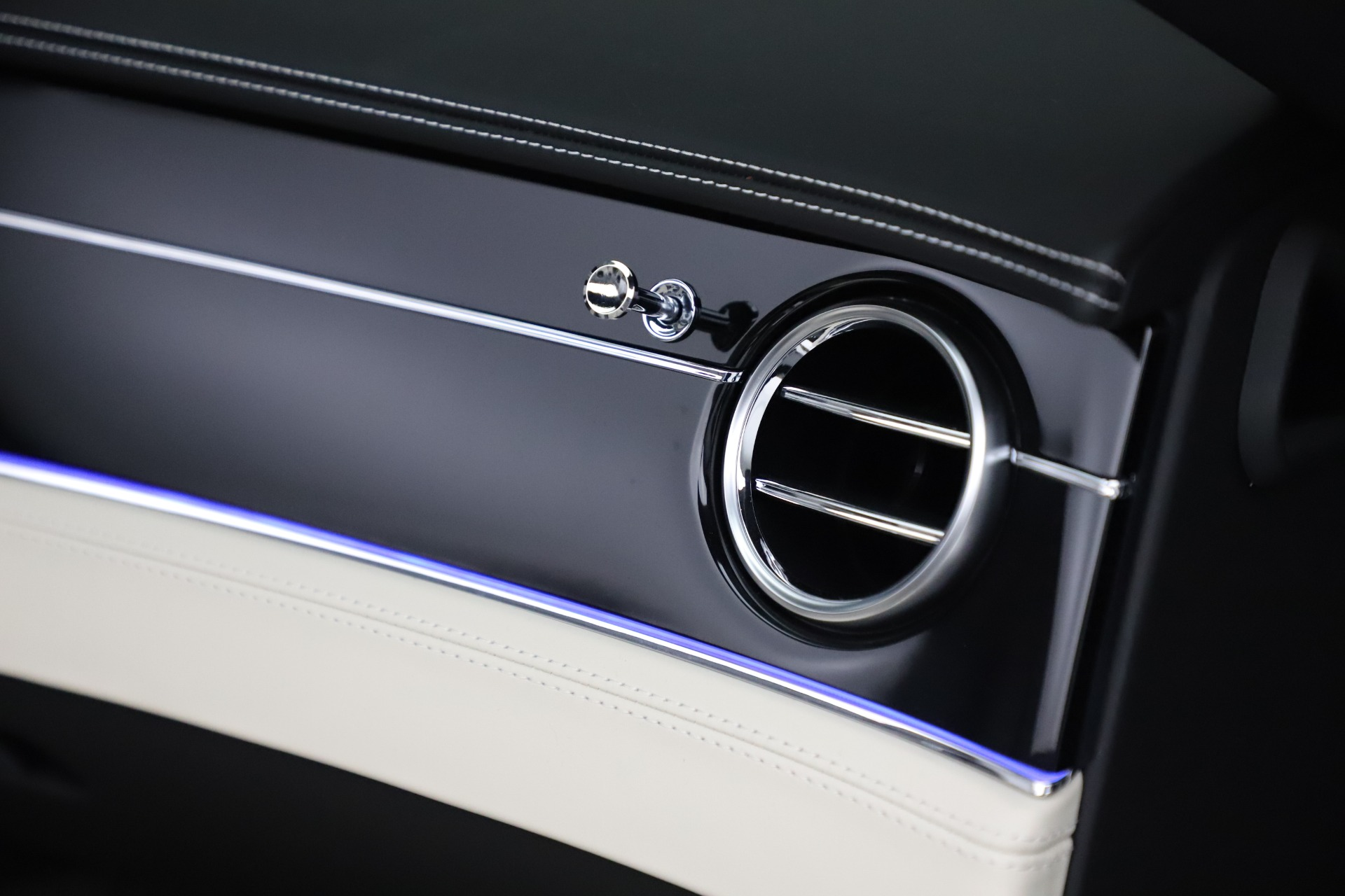 New 2020 Bentley Continental GTC V8 For Sale In Greenwich, CT. Alfa Romeo of Greenwich, B1451 3561_p42
