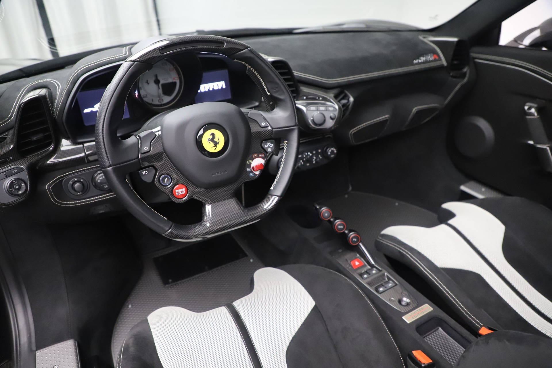 Used 2015 Ferrari 458 Speciale Aperta  For Sale In Greenwich, CT. Alfa Romeo of Greenwich, 4625 3571_p20